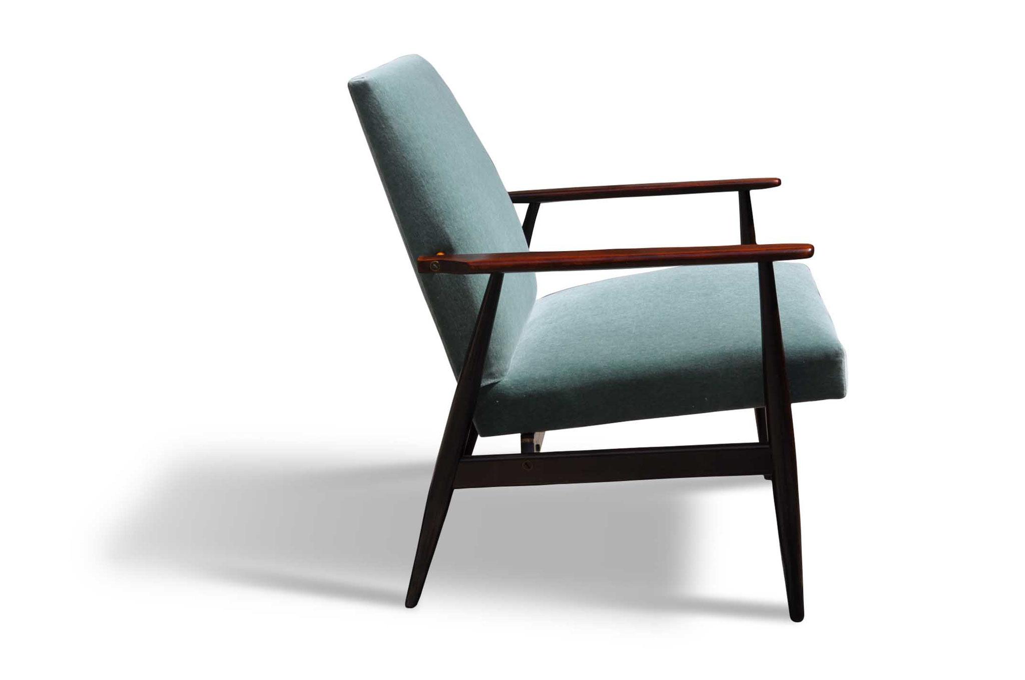 Scandinavian vintage chair in cachemire velvet Wel e on Modern