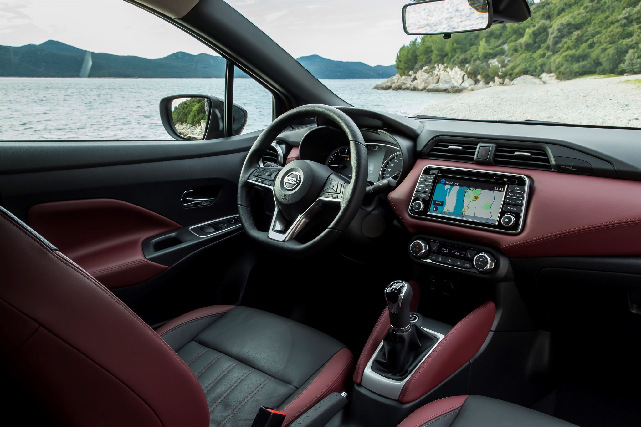 intérieur Nissan Micra avec pack cuir