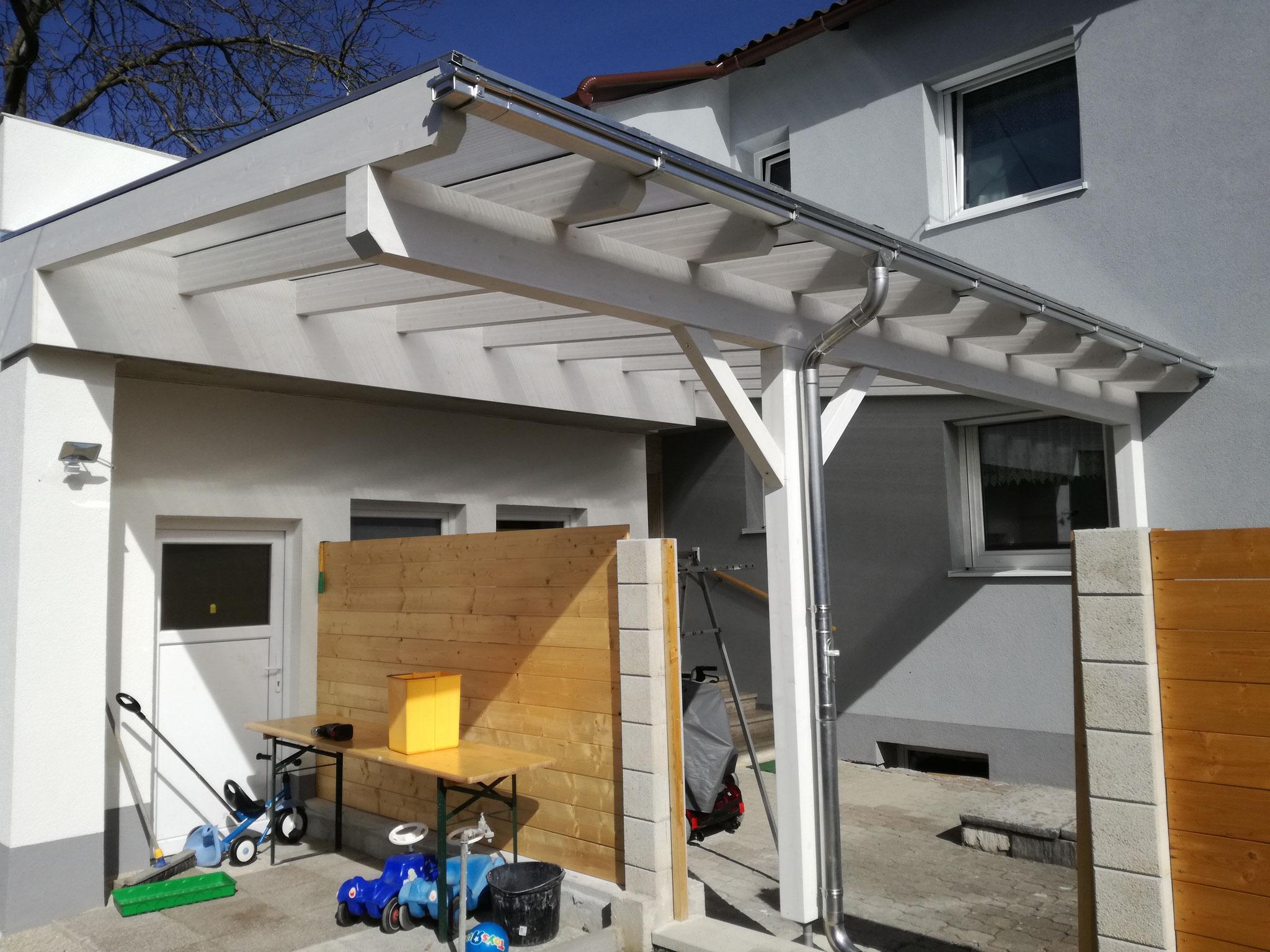 Eingangsüberdachung mit Thermoclear-Stegplatten