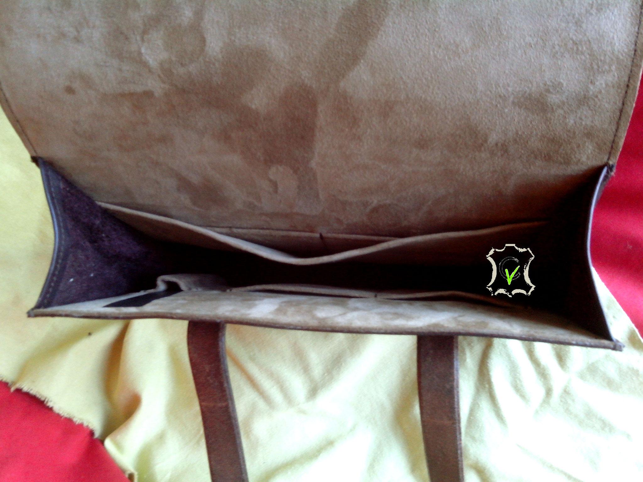 doublure en mouton velours beige, 4 pochettes, une séparation, un porte stylo