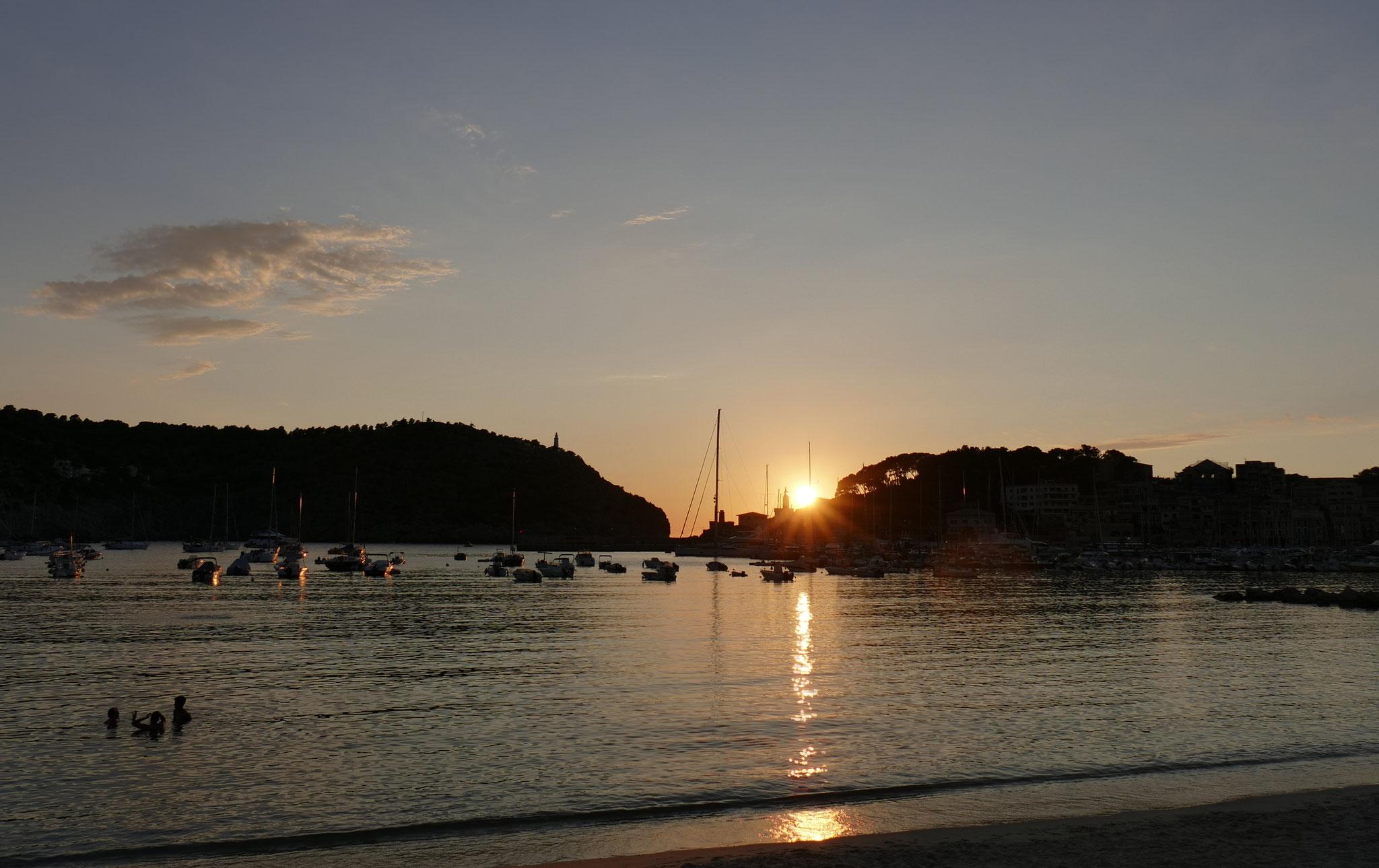 Sonnenuntergang vom Hafen aus