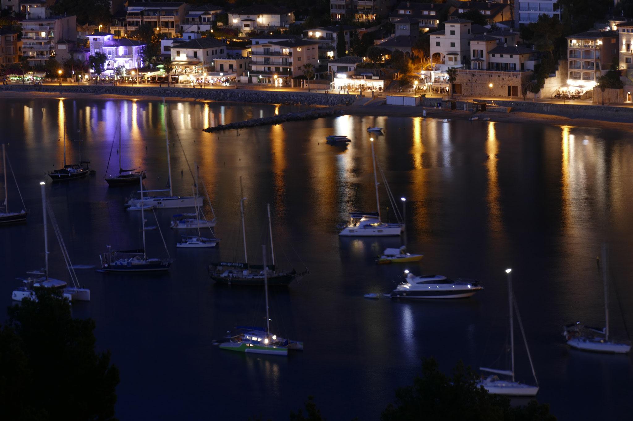 Hafen-Impression bei Nacht
