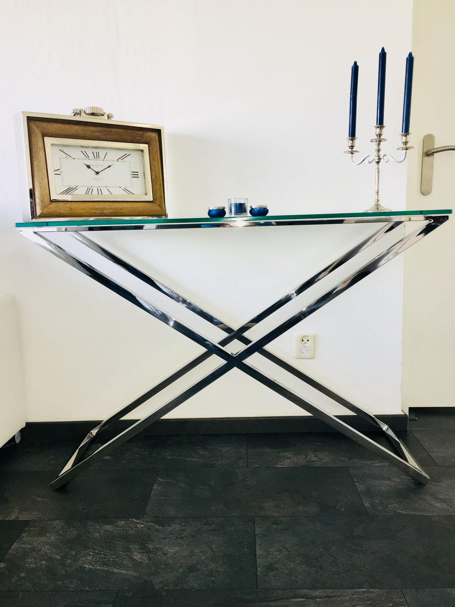 Glazen Wandtafel Sidetable.Side Tables Consoles Tegenwoordig Onmisbaar In De Interieur