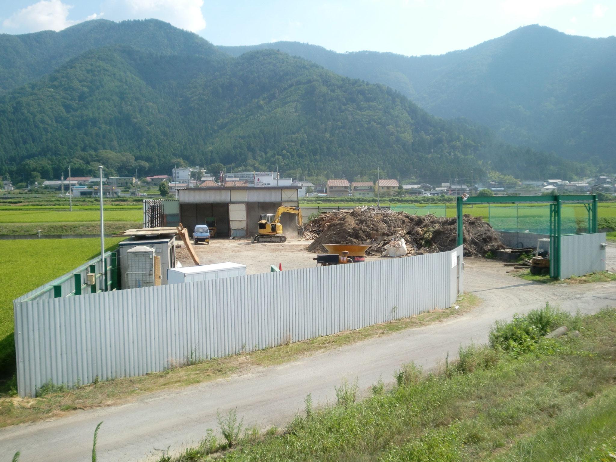 木材リサイクル工場