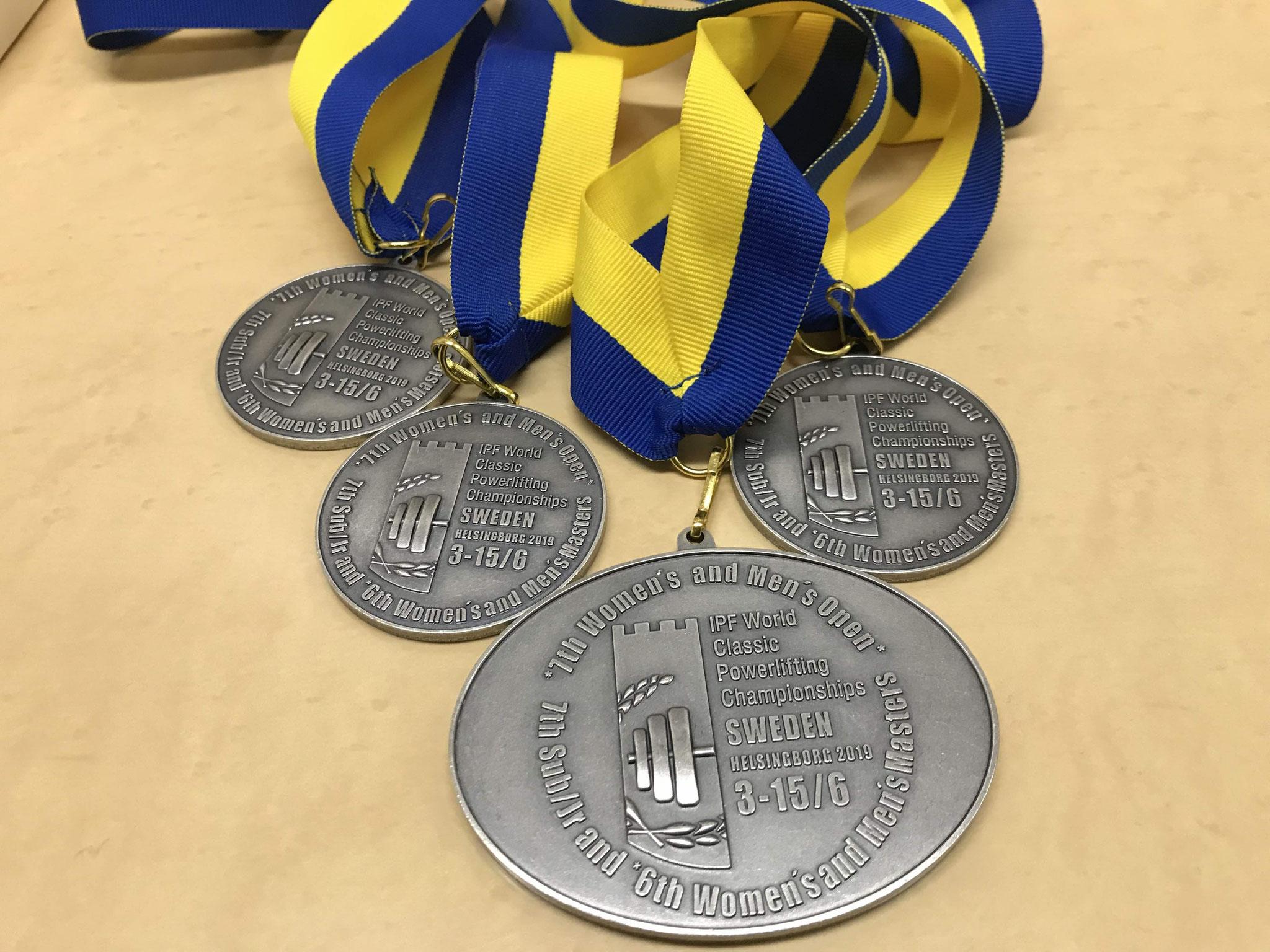 4つの銀メダル!