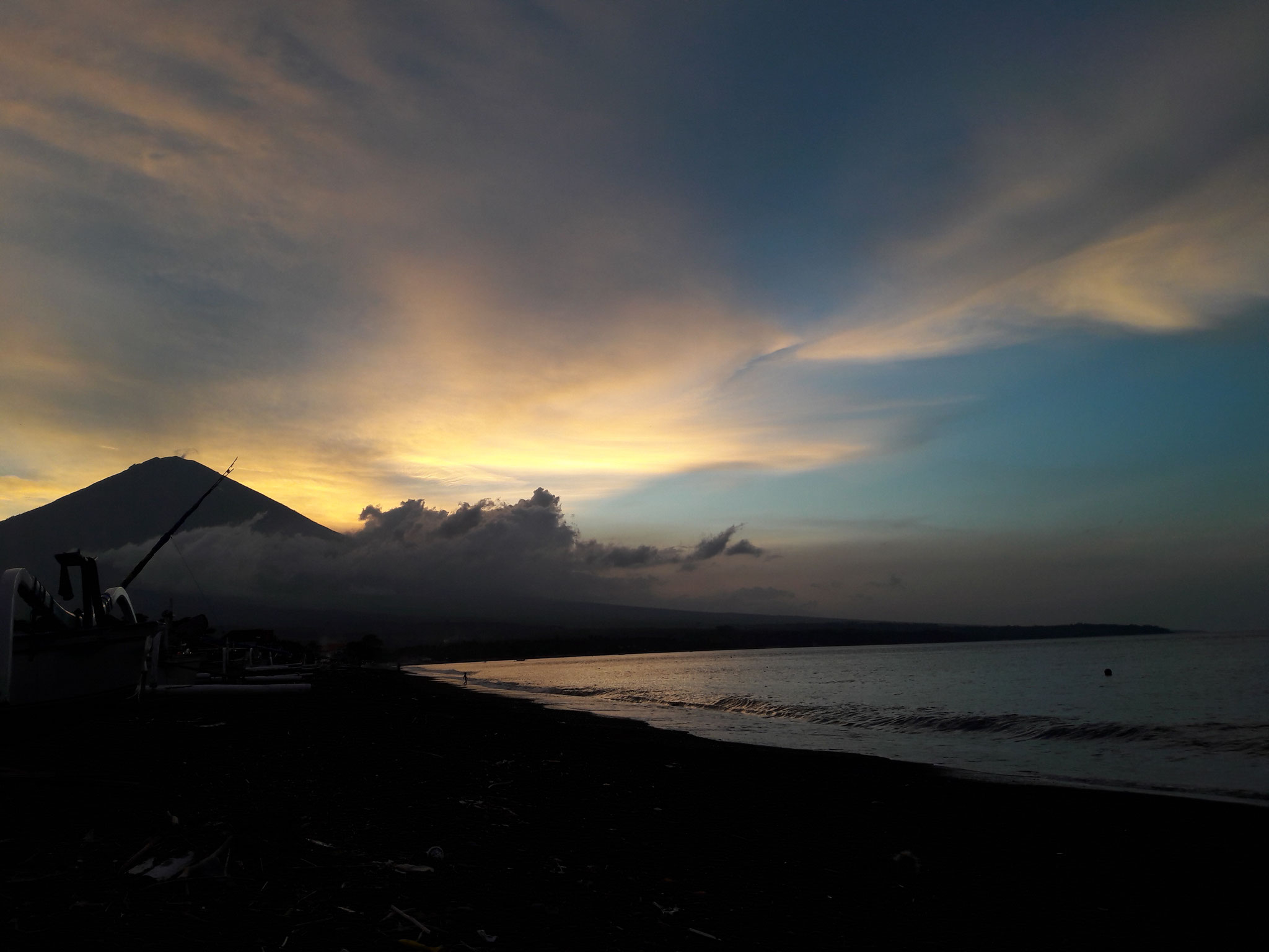 Bulih Beach Bungalows - Beach / Mount Agung / Sunset