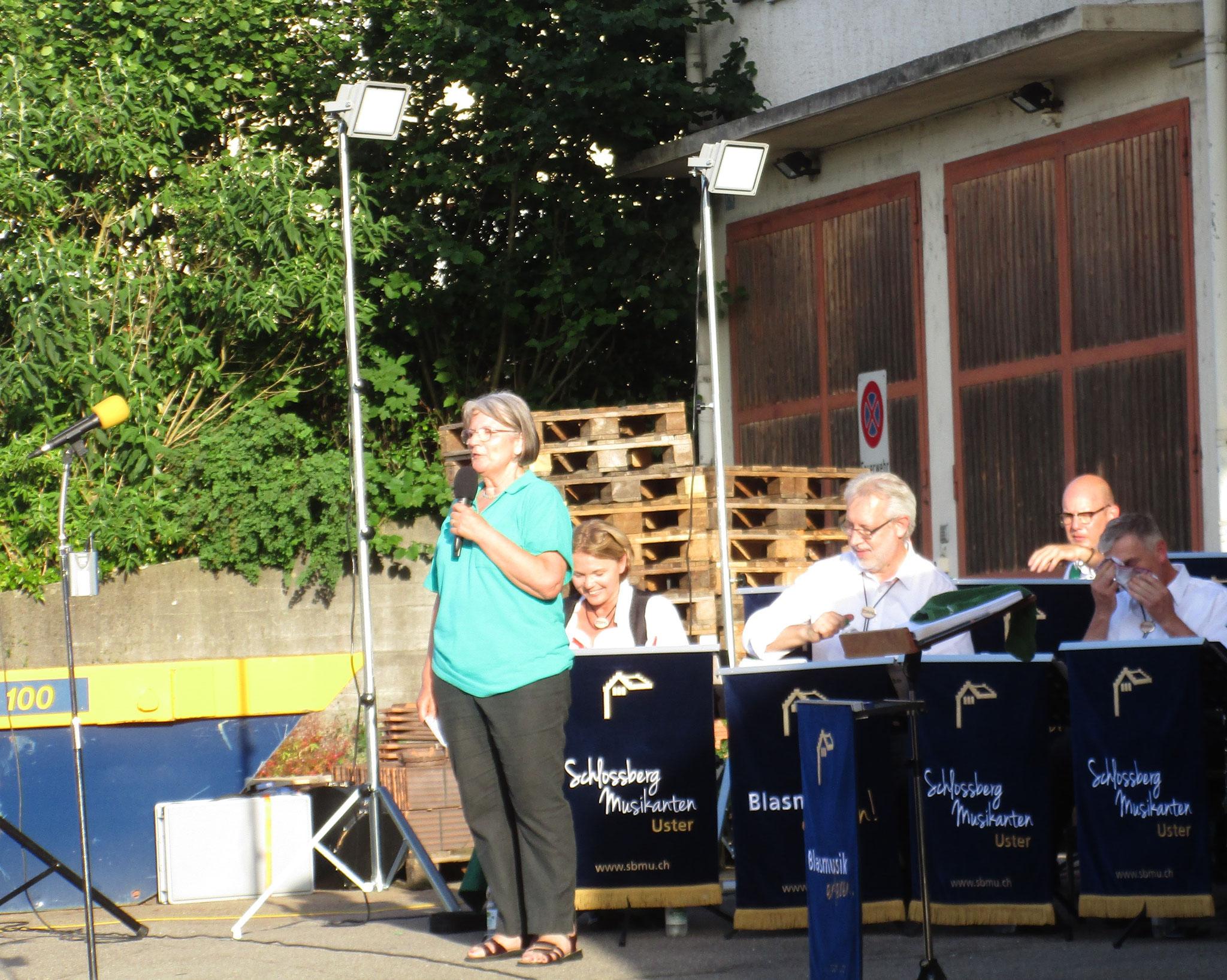 Unsere OK-Präsidentin Margrit Herrmann bei der Begrüssung