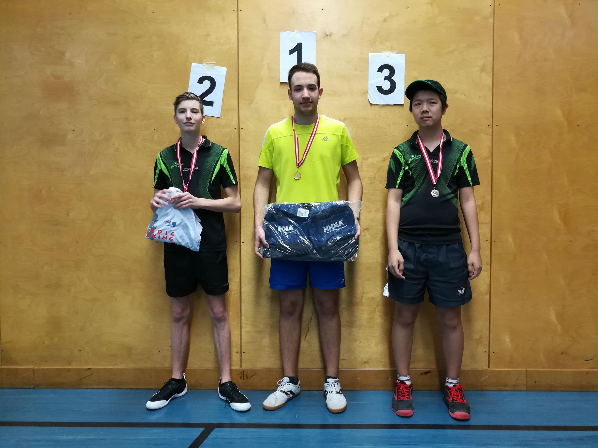 Gesamtsieger Bewerb C: v.l.n.r. Martin Trausmuth (NFS) (Platz 2), Martin Liebert (OLY) (Sieger), Eric Tang (NFS) (Platz 3)