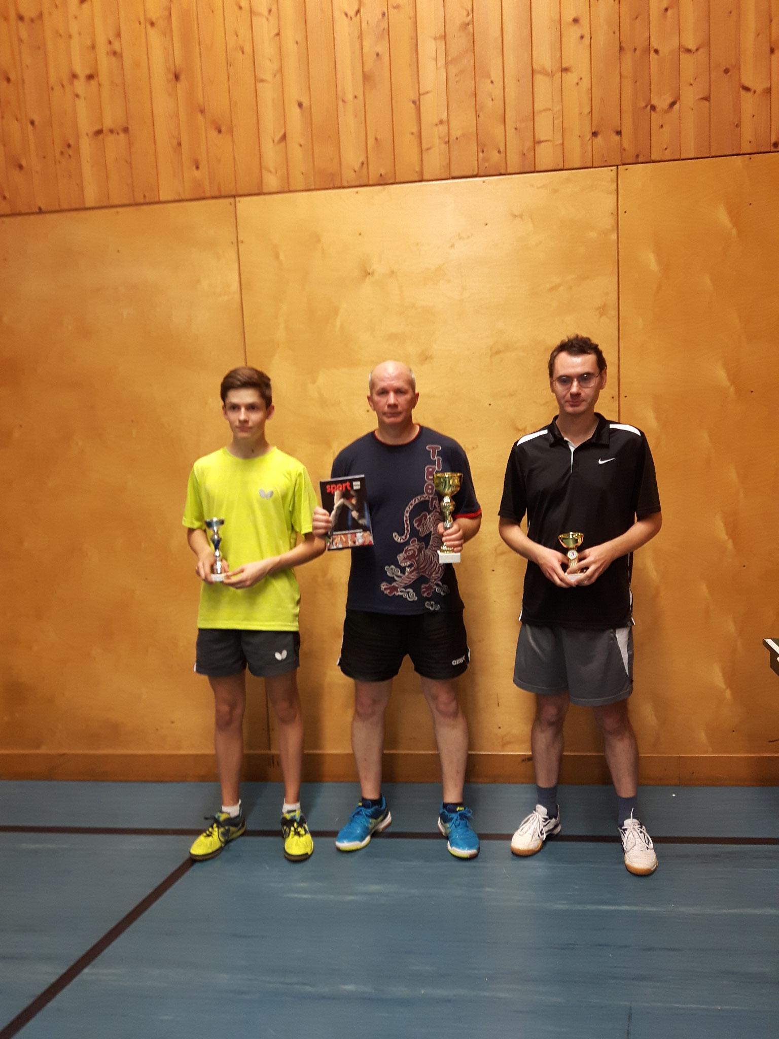 Siegerfoto Bewerb E: v.l.n.r. David Brandl (SSTO) (Platz 2), Endre Pelsöczi (URAP) (Sieger), Vladimir Kolmogorov (KLOS) (Platz 3)