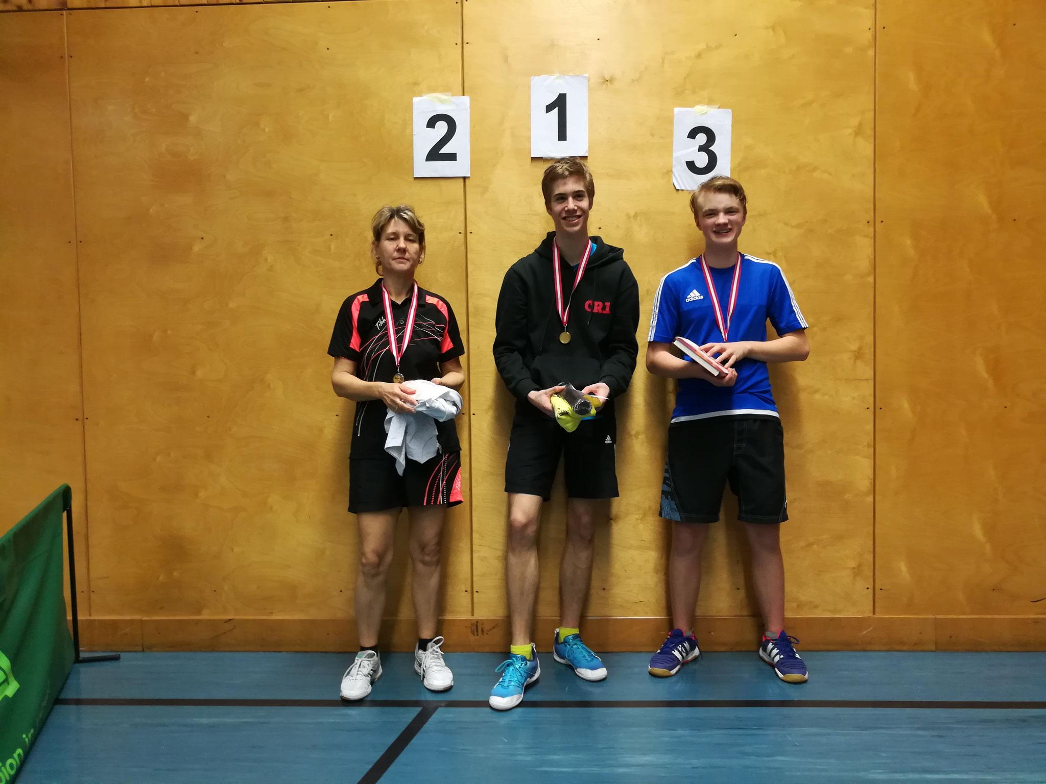 Gesamtsieger Bewerb E: v.l.n.r. Jutta Riha-Aigner (Hobby) (Platz 2), Christian Ritter (NFS) (Sieger), Lukas Schwarzinger (OLY) (Platz 3)