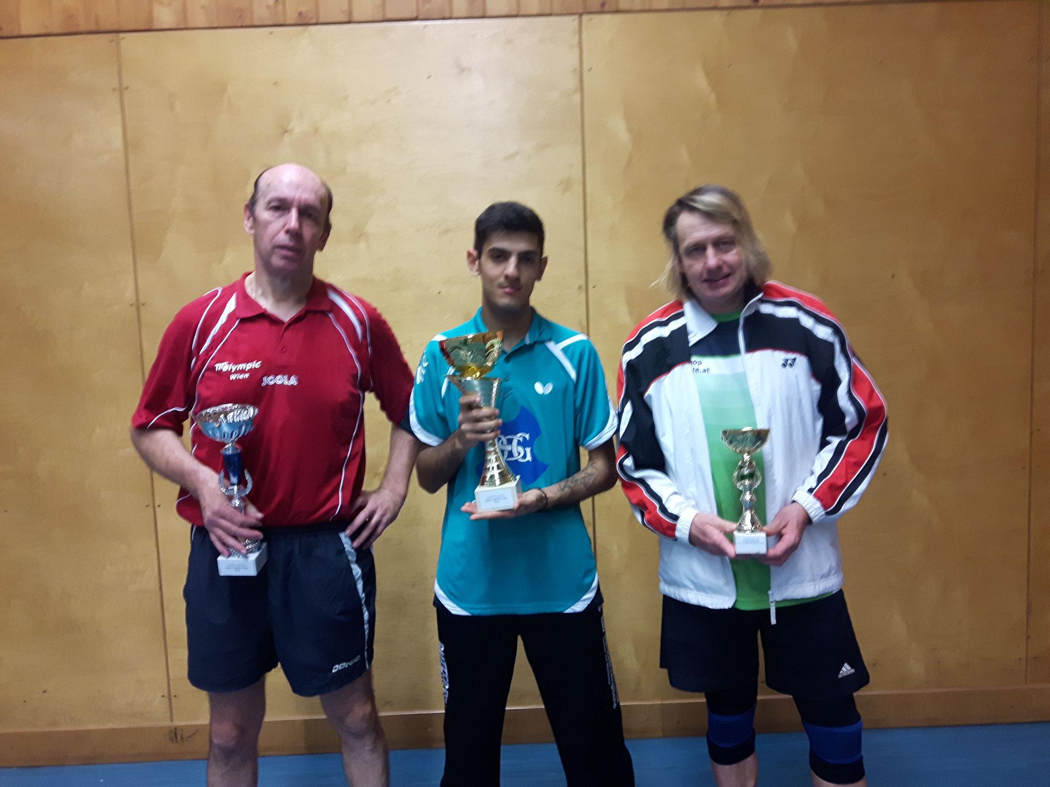 Siegerfoto Bewerb A: v.l.n.r. Jaroslaw Gaborcik (OLY) (Platz 2), Ugljesa Lukic (Sieger), Peter Fichte (HALL) (Platz 3)