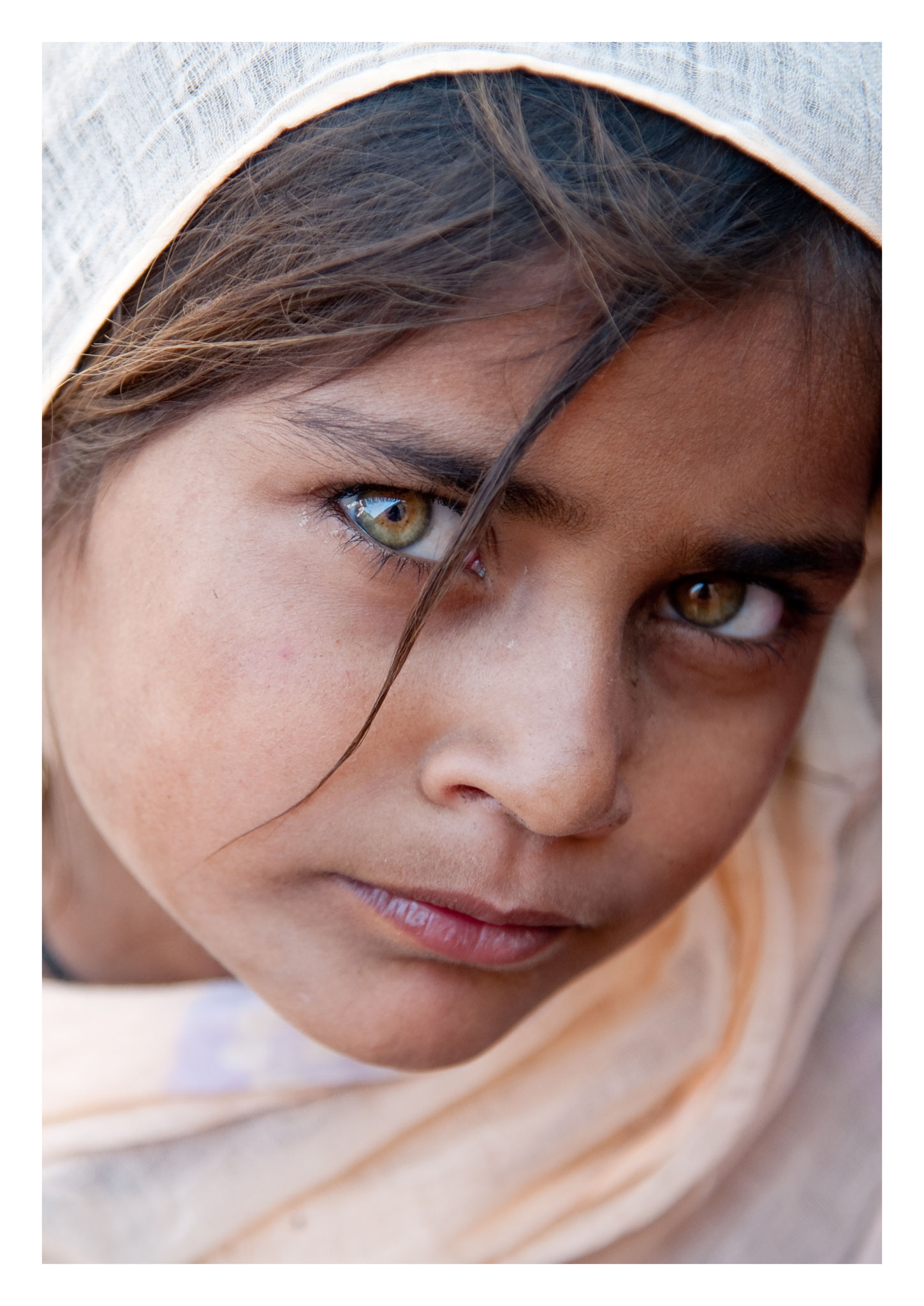// ADOPTEE PAR SAMIA // Tirage avec fine marge blanche (Papier 33x46 cm) - Inde