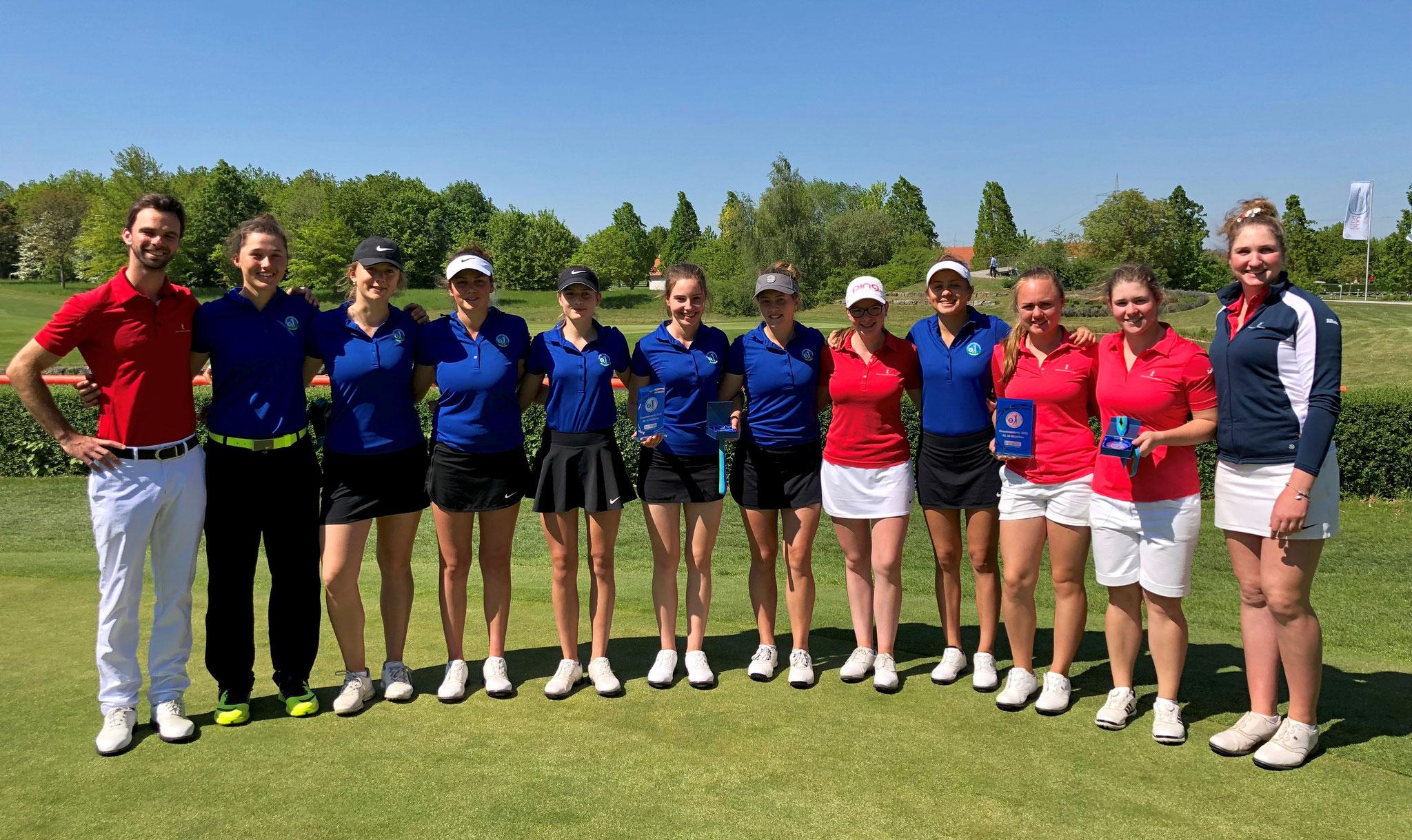 Die Mädchen des Golf Club St. Leon-Rot mit Trainer Pascal Proske - © Golf Club St. Leon-Rot