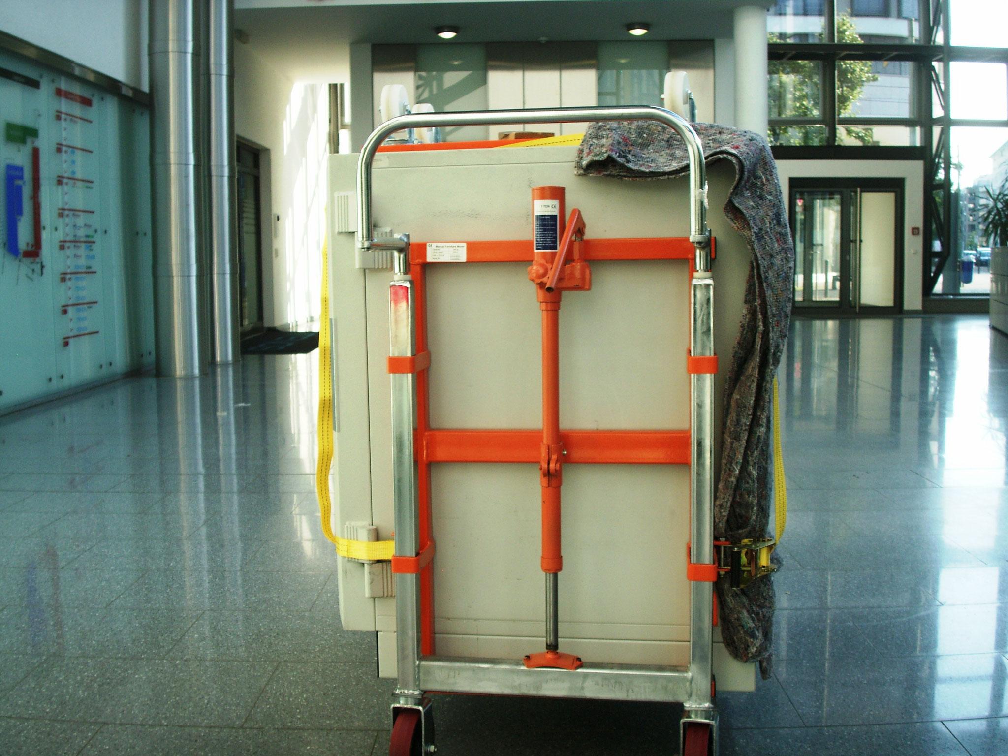 transport of a safe