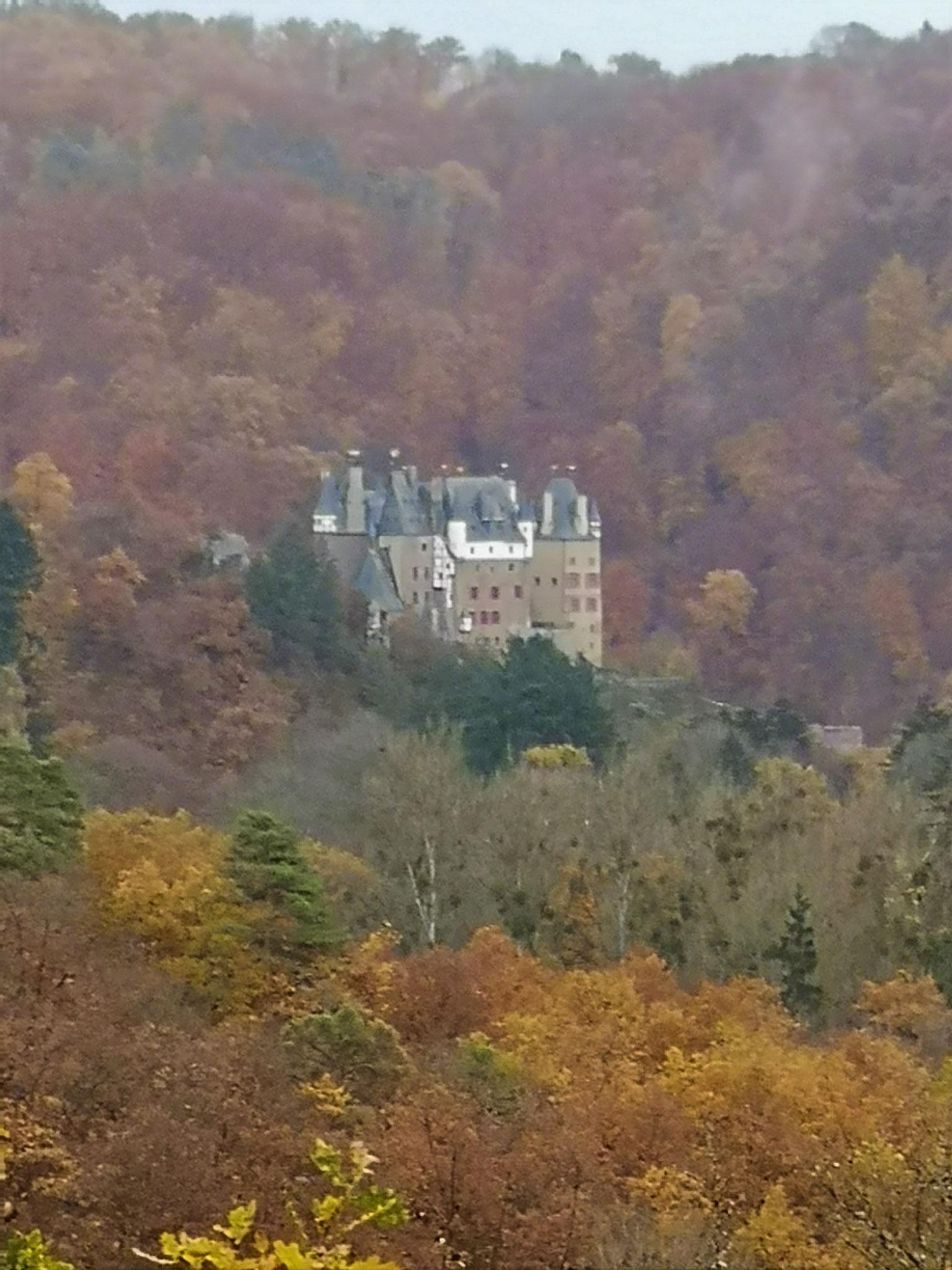Die schöne alte Burg Eltz