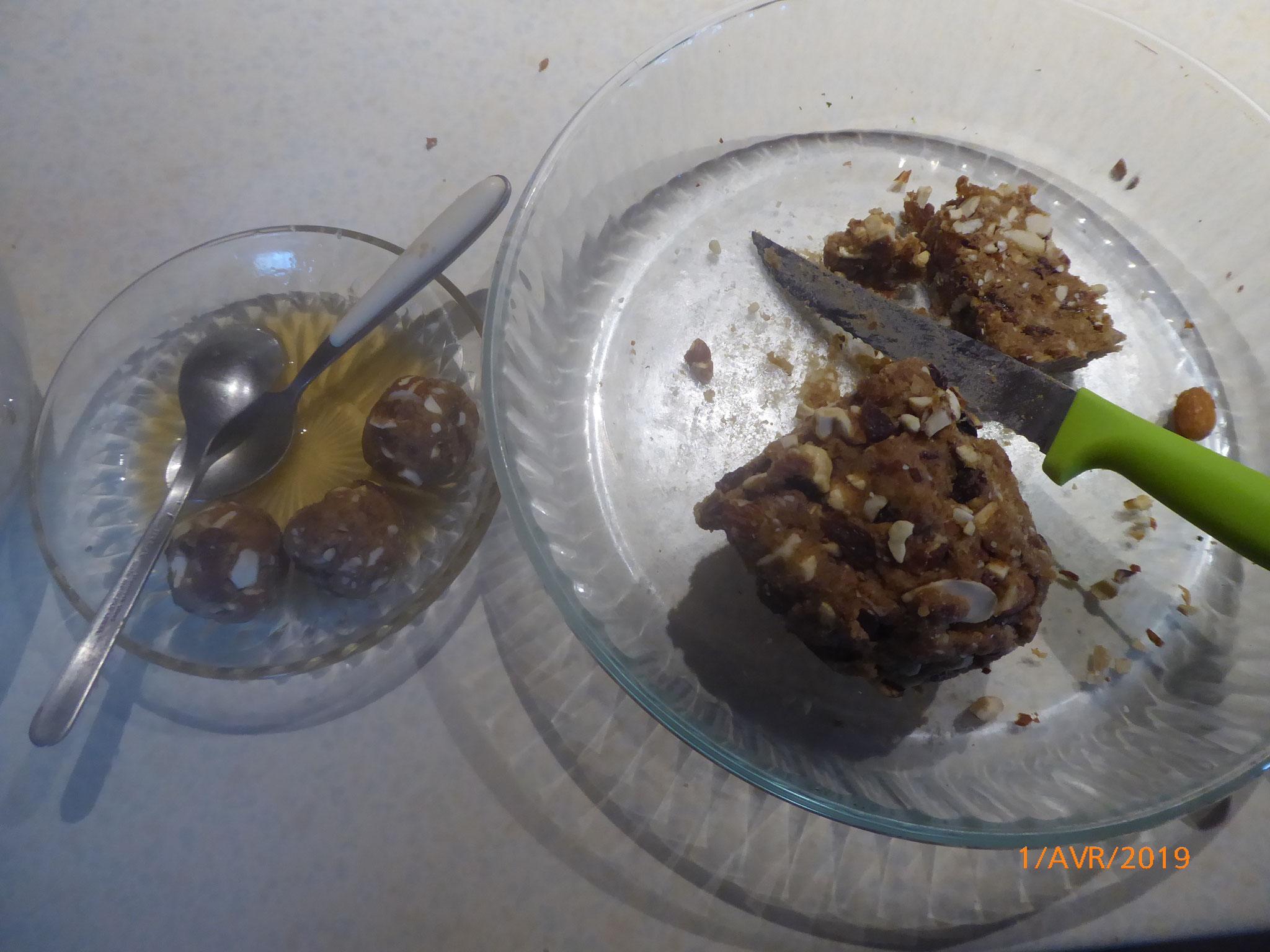 mélange pâte de dattes et fruits secs