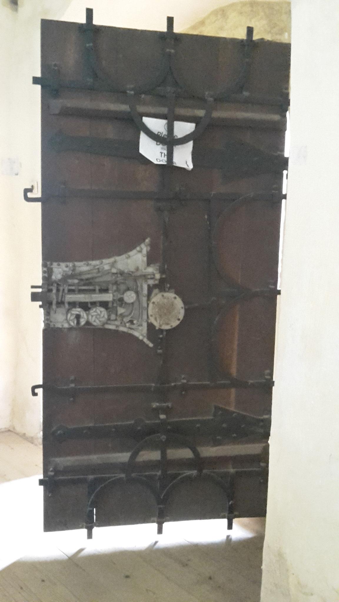 mecanismo de cerradura con las 19 barras