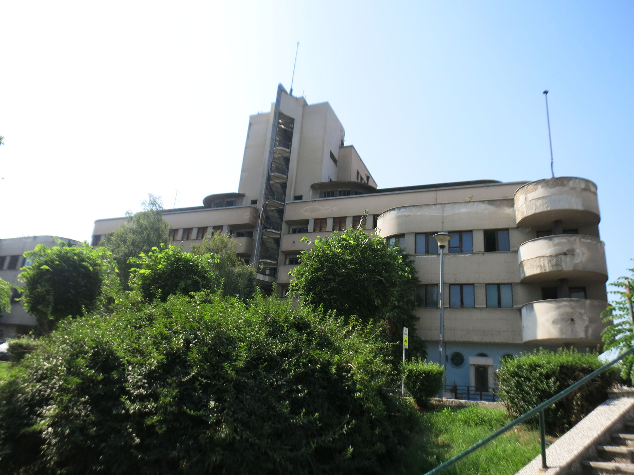 Ministerio de las Fuerzas Aereas (1935) obra cumbre del arquitecto D. Brasovan