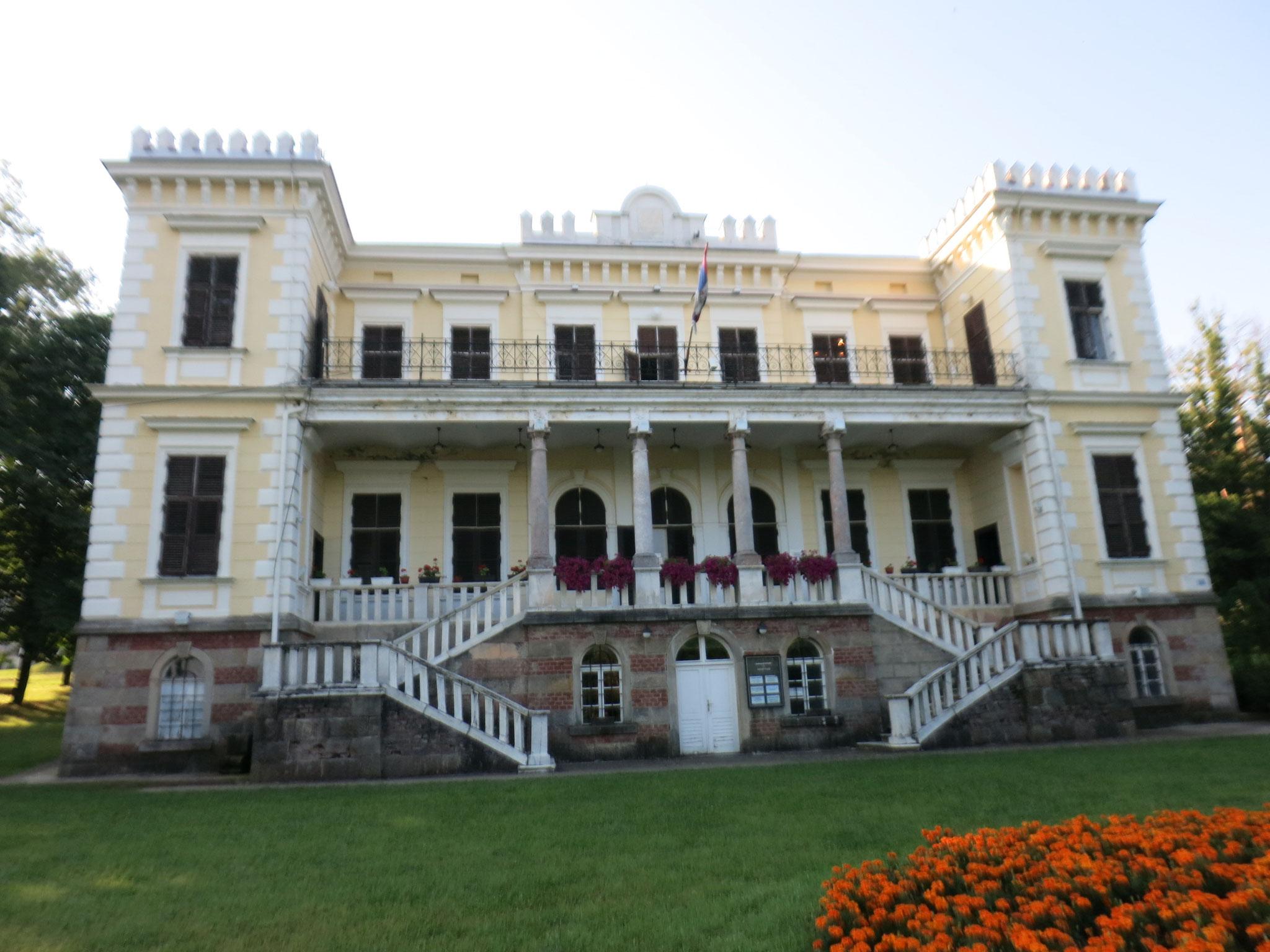 el palacio Berlimakovic, hoy palacio de cultura
