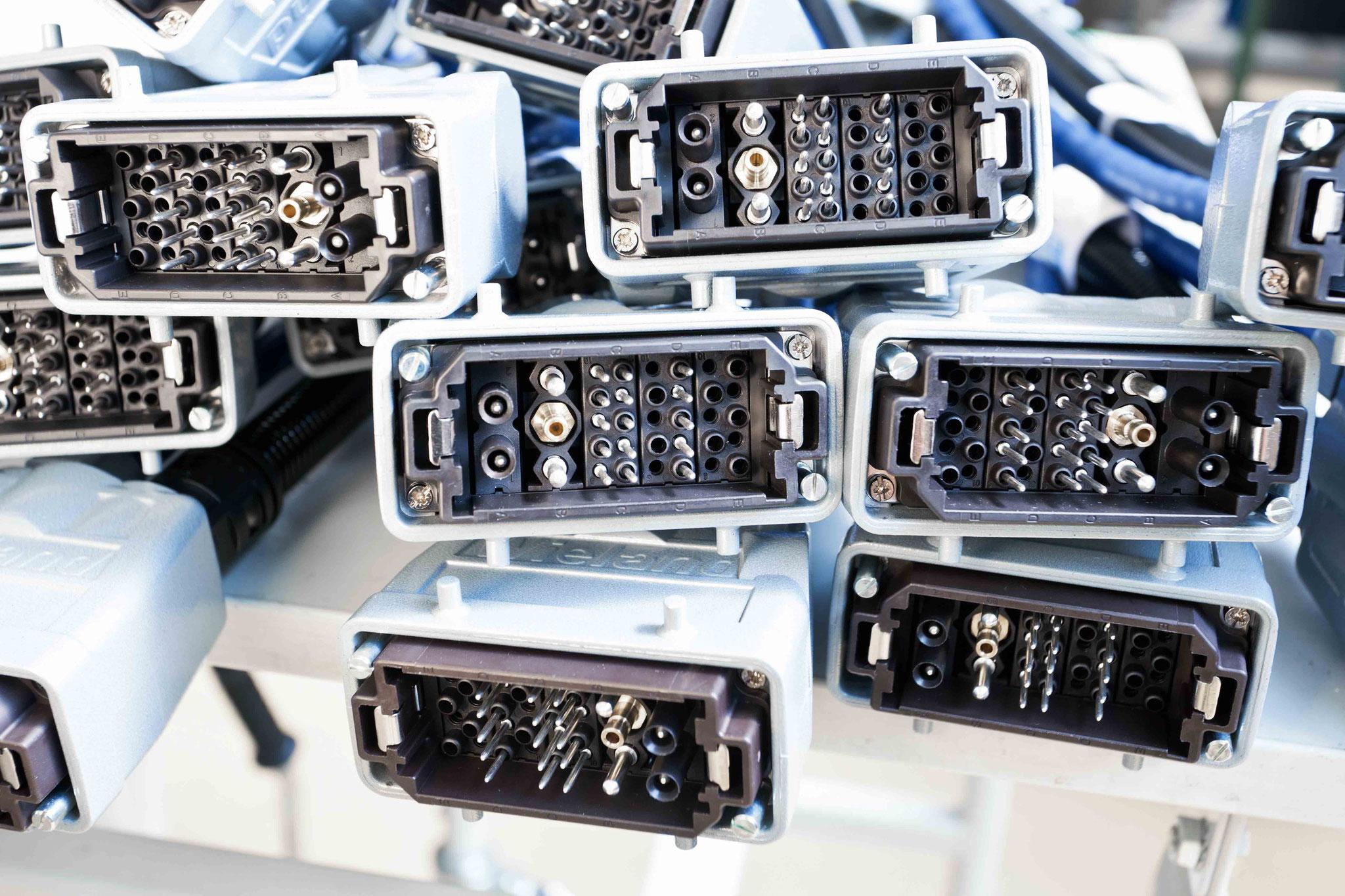 Kabelkonfektion mit Harting Modular Steckverbindern