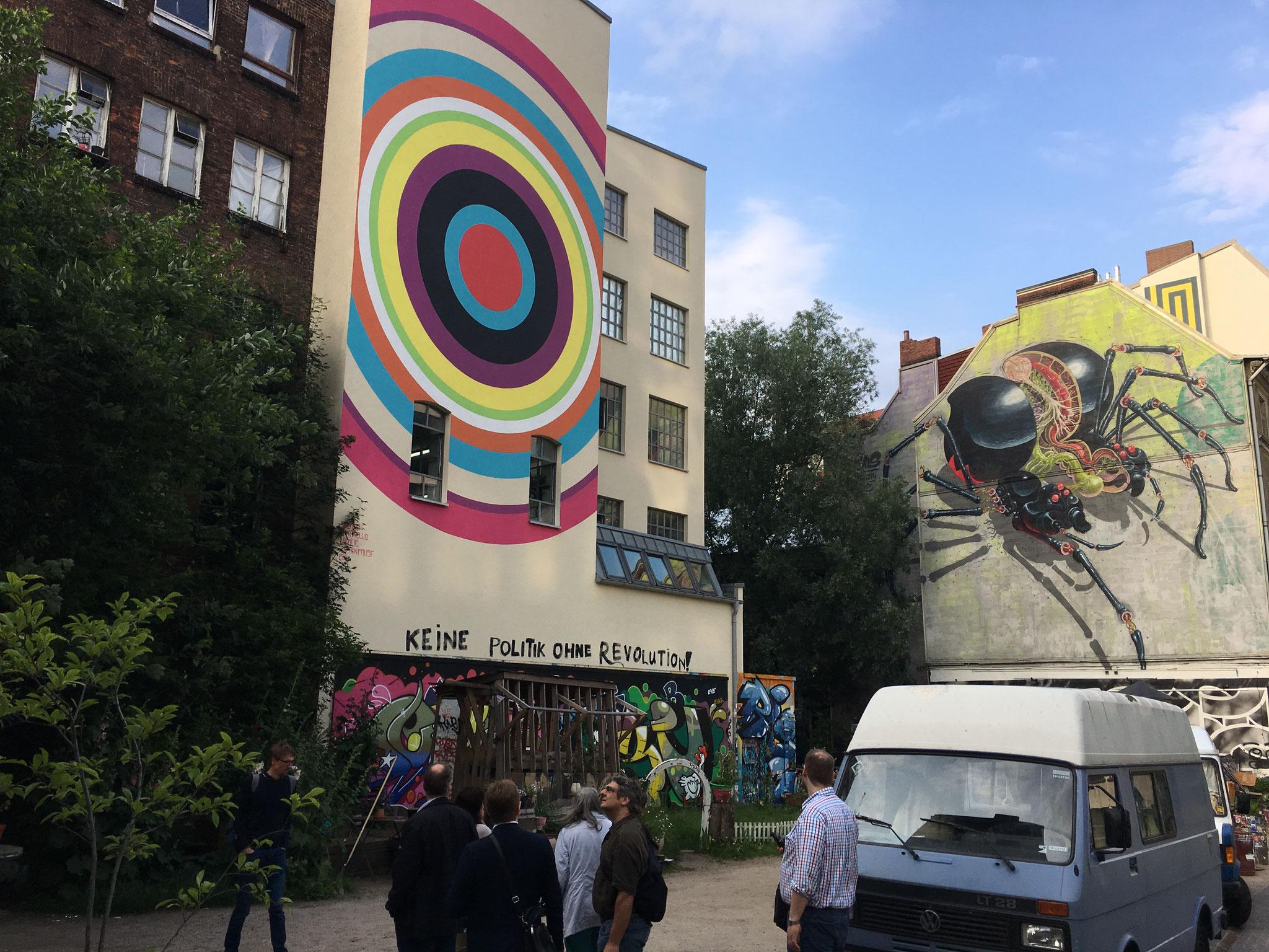 Große Grafitis sind meist beauftragt - und leben länger ;)