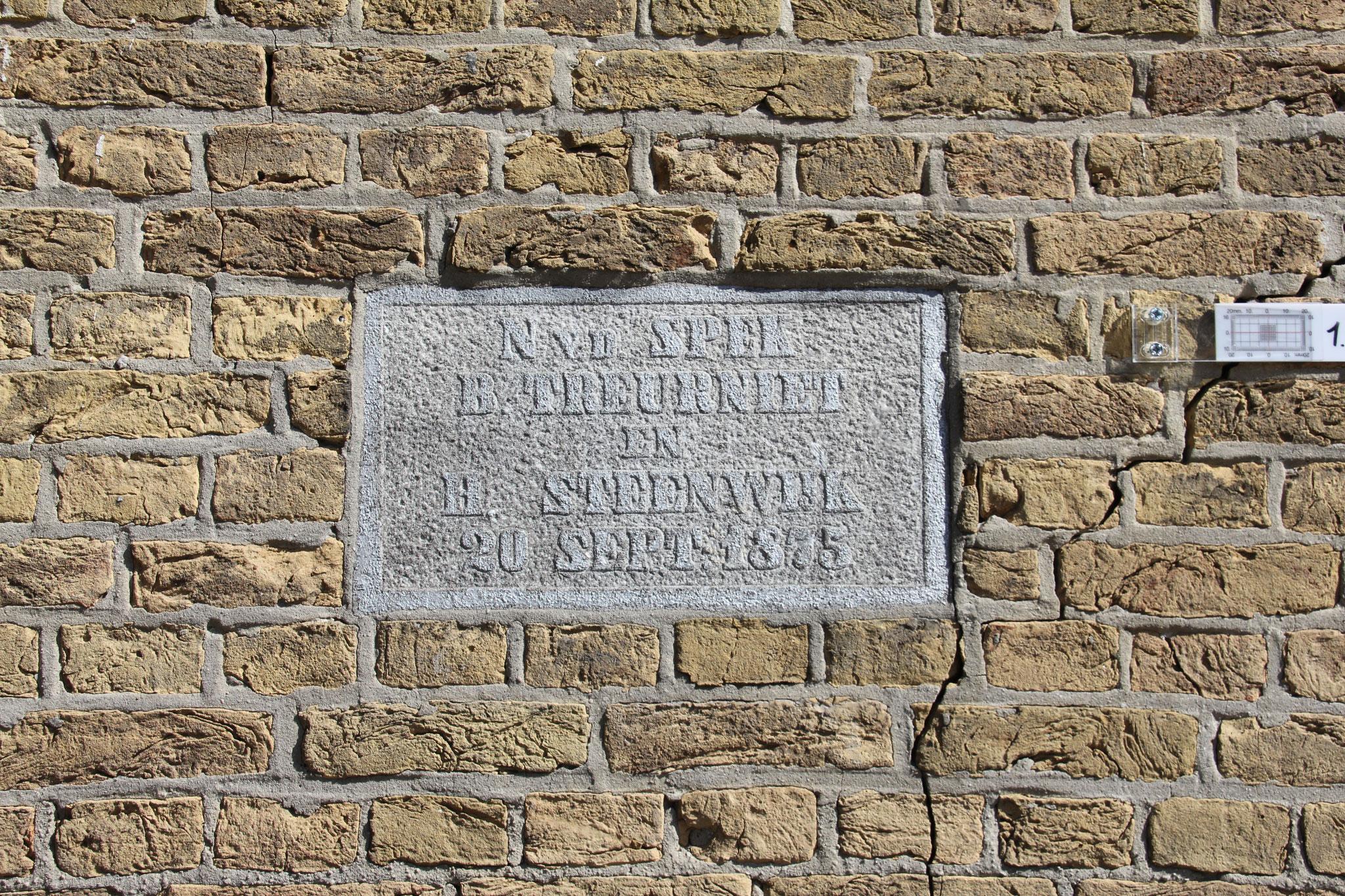 gevelsteen met jaartal 1875