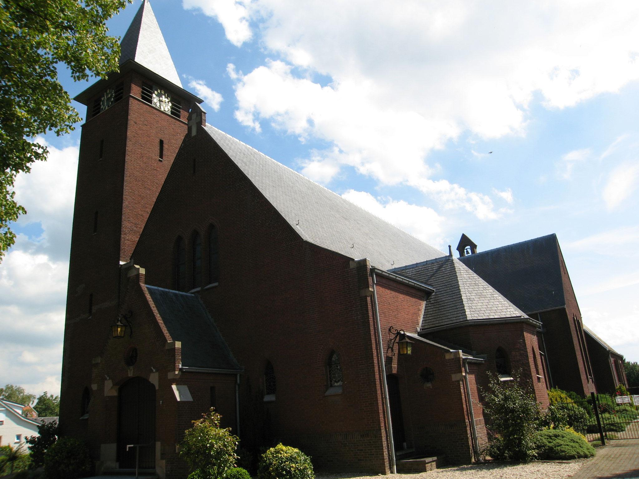 Onze Lieve Vrouwe van Goede Raad en Heilige Jozefkerk te Asenray, architect Joseph Franssen 1931.