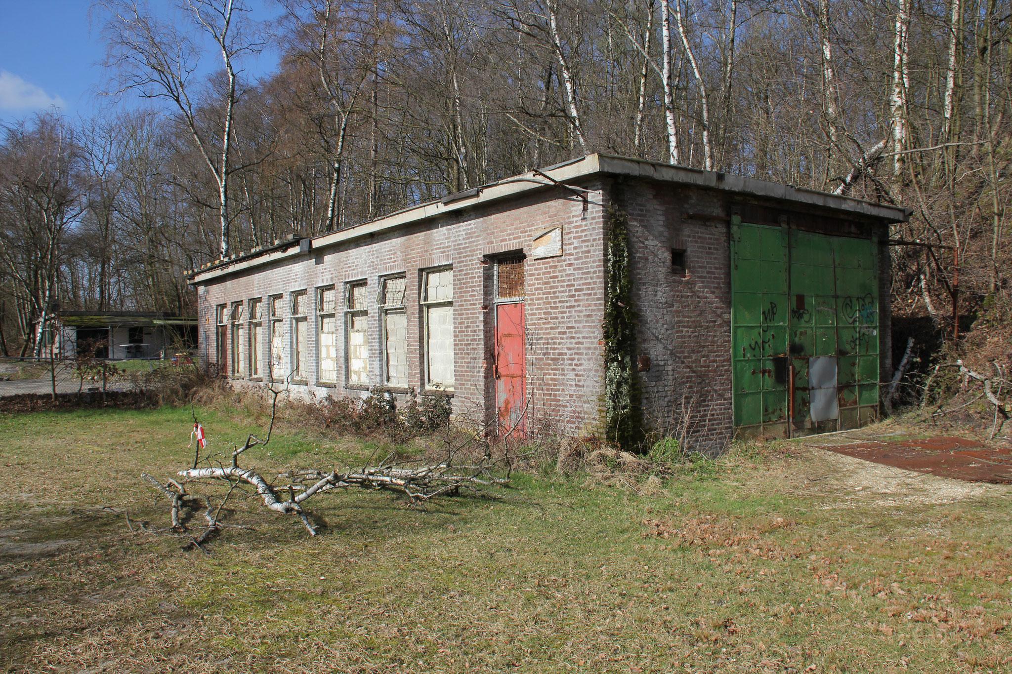 Een van de twee gebouwen van de ondergrondse vakschool van de Oranje Nassaumijn.