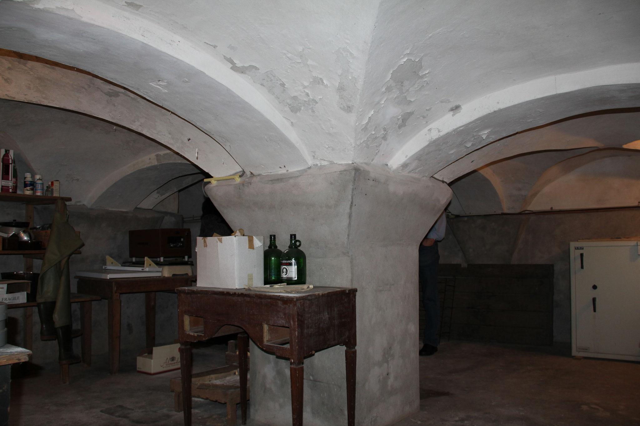 Middeleeuwse kelderstructuur: een relict van de oorspronkelijke woontoren.