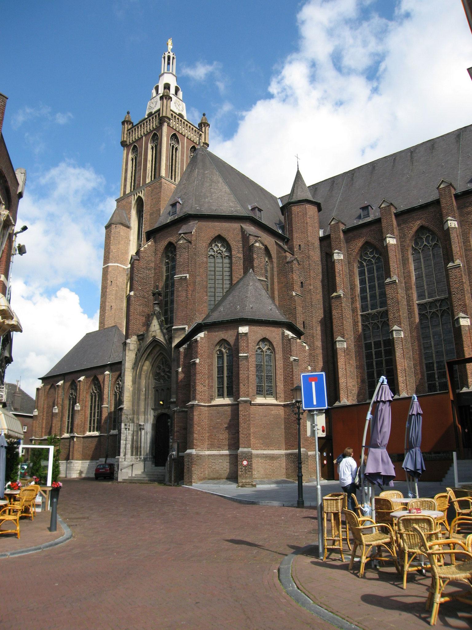 De Sint Christoffelkathedraal te Roermond.