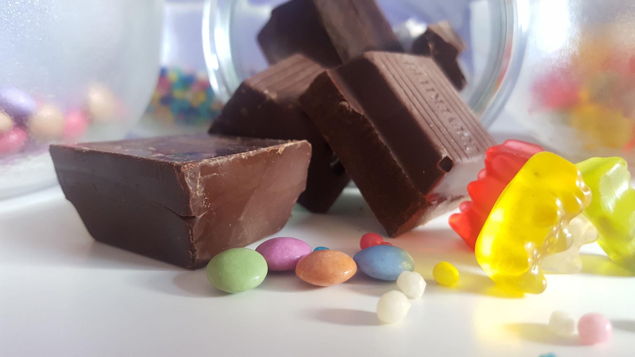 Schokolade und Süßigkeiten für die Dekoration