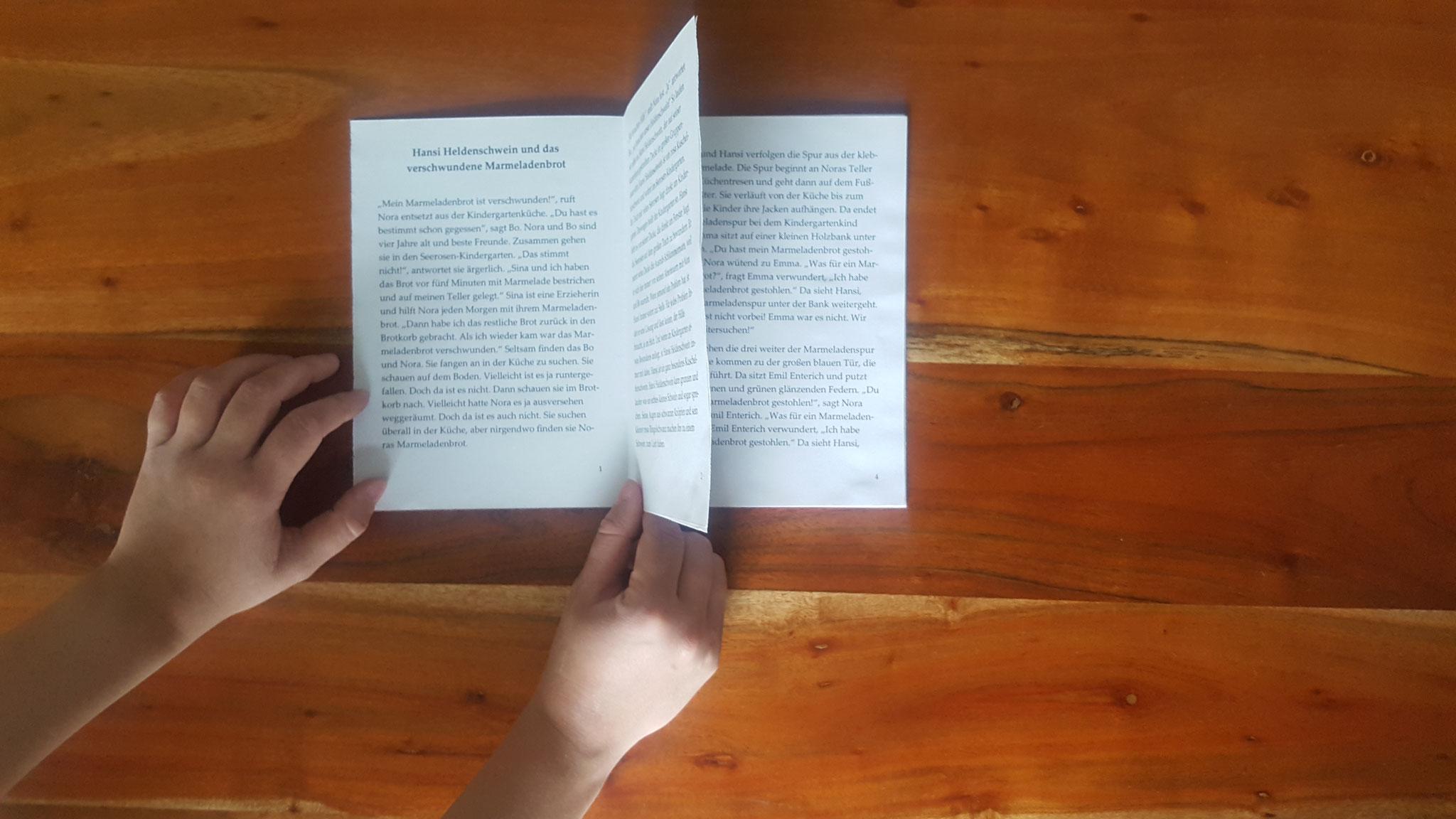 Alle Seiten zu einem Buch zusammengeklebt