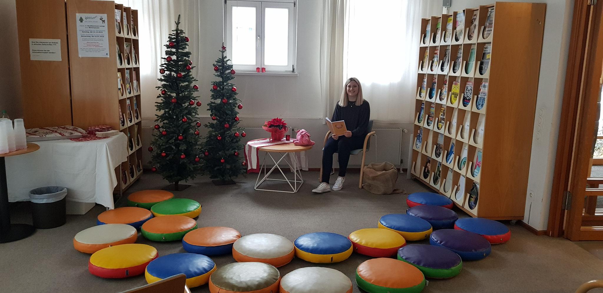 Hansi Heldenschwein und Laura warten auf die Kinder
