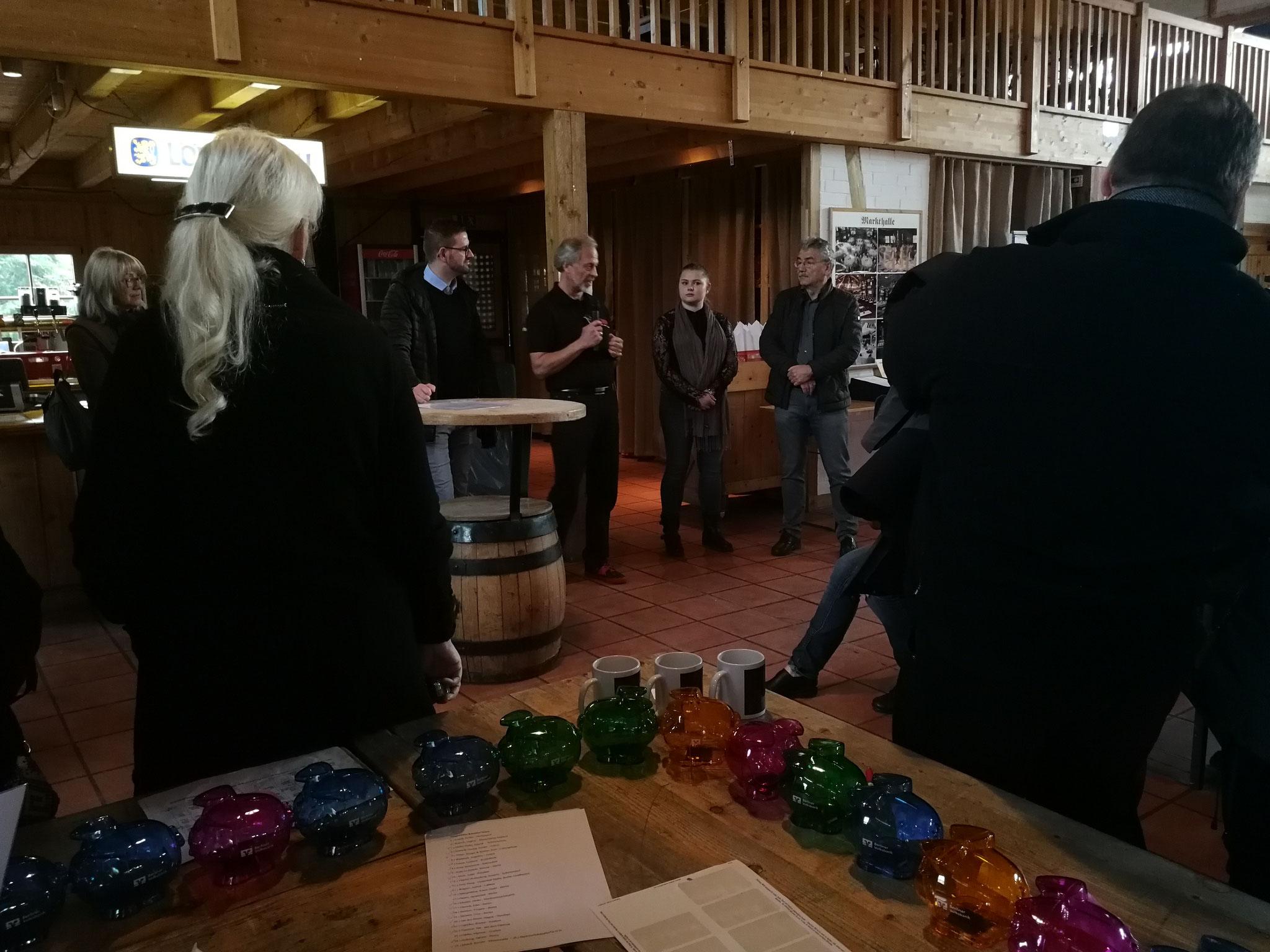 Begrüßung von Herrn Landtagsabgeordneten Barthel und Dank an Schloss Event-Managerin Worm