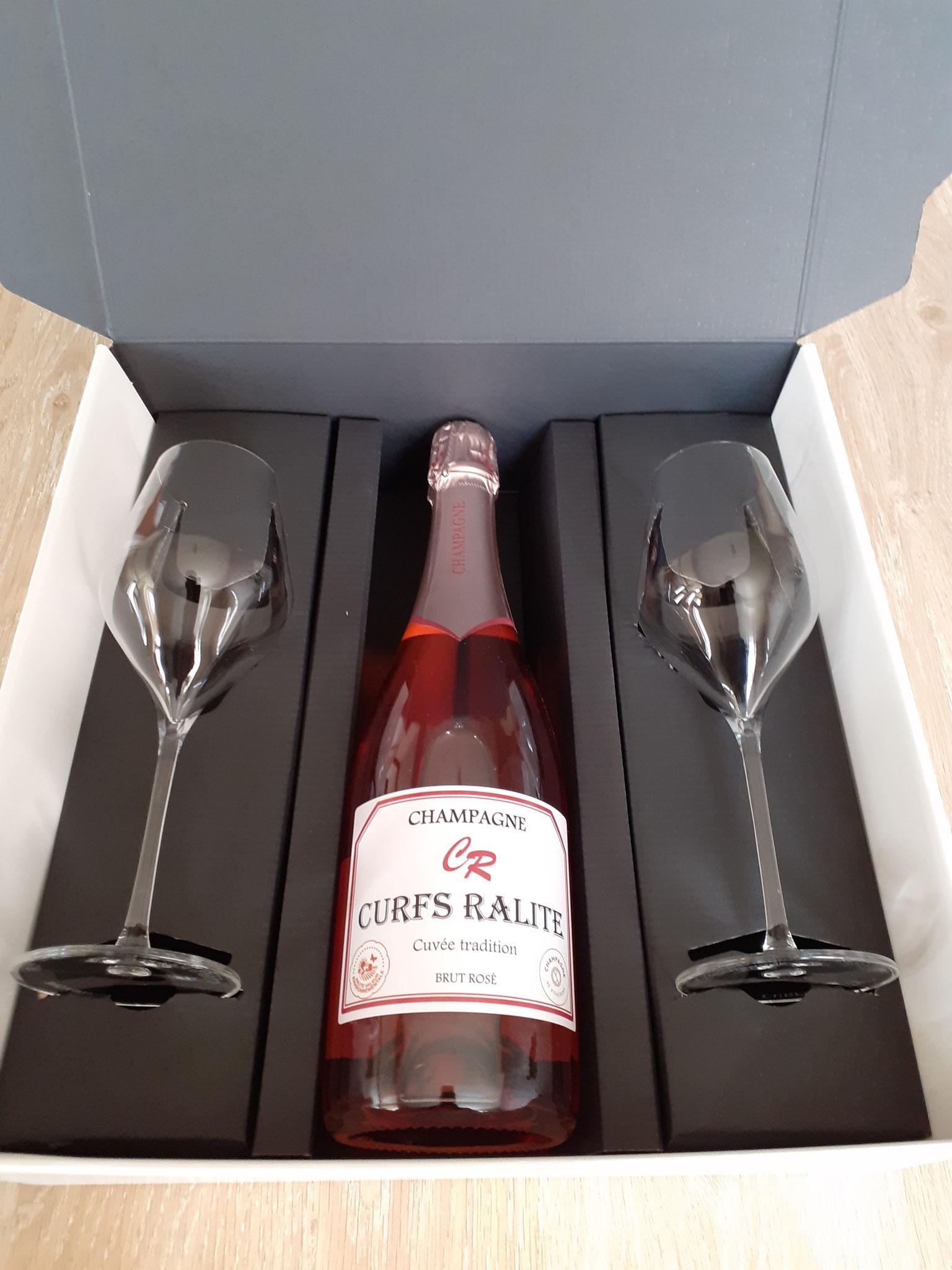 Coffret 1 bouteille de champagne rosé et 2 flûtes