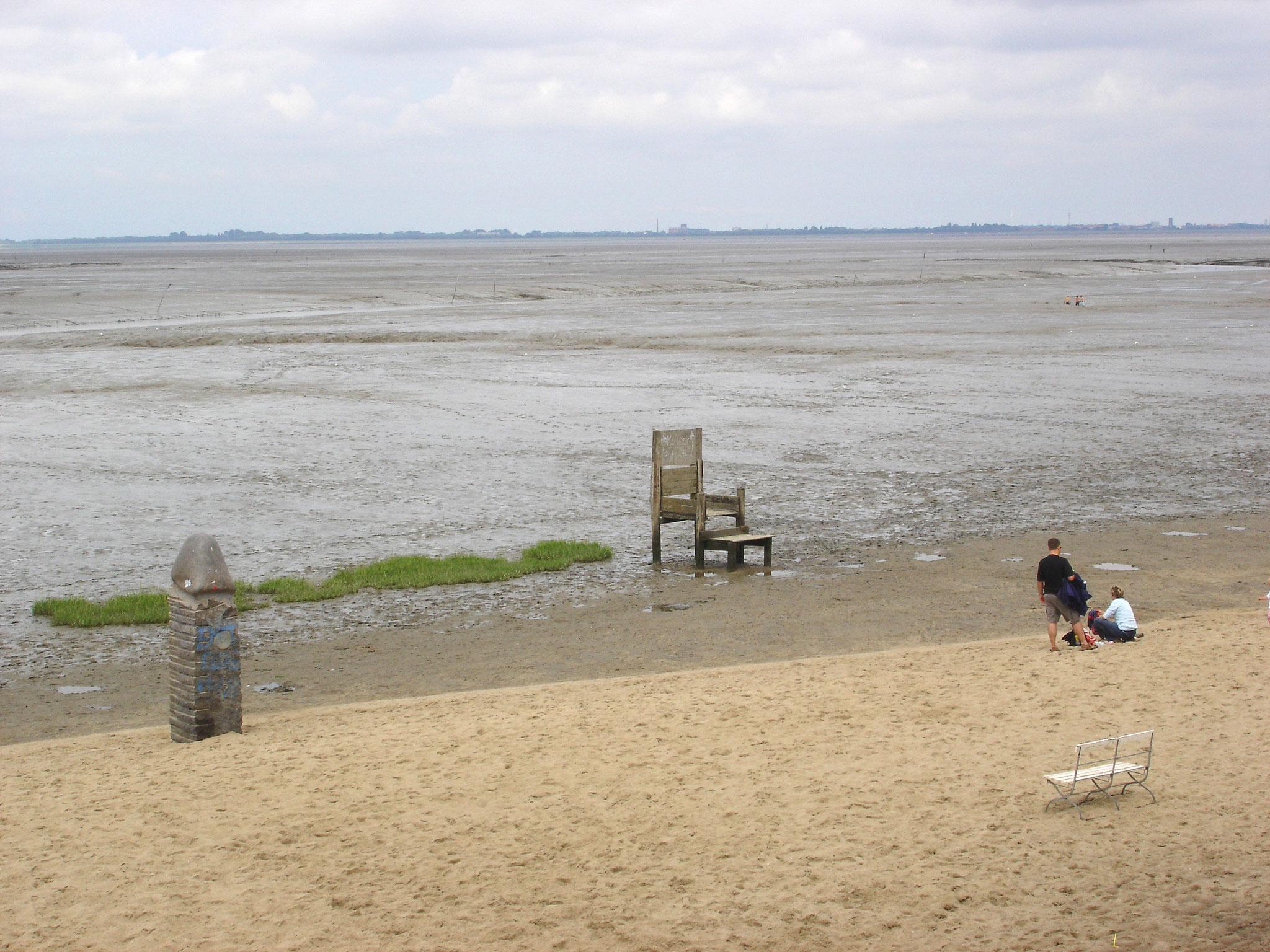 Strand von Dangast mit Freiluftkunst
