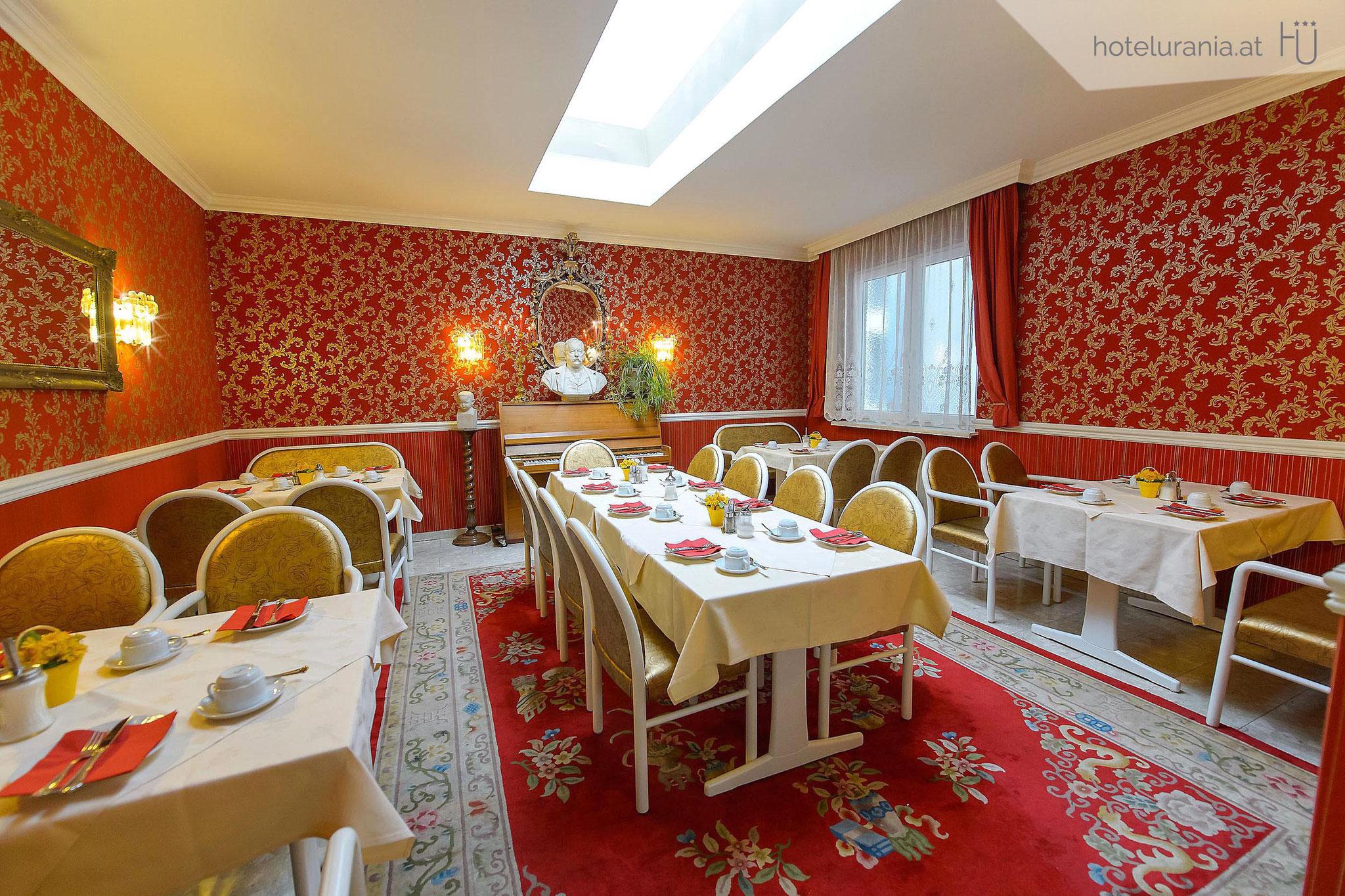 Hotel Urania extensive Viennese breakfast