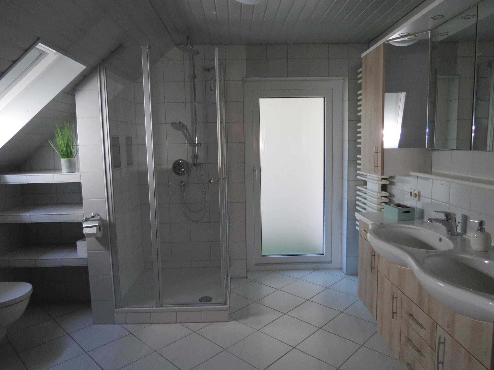 Duschen-Baden-WC