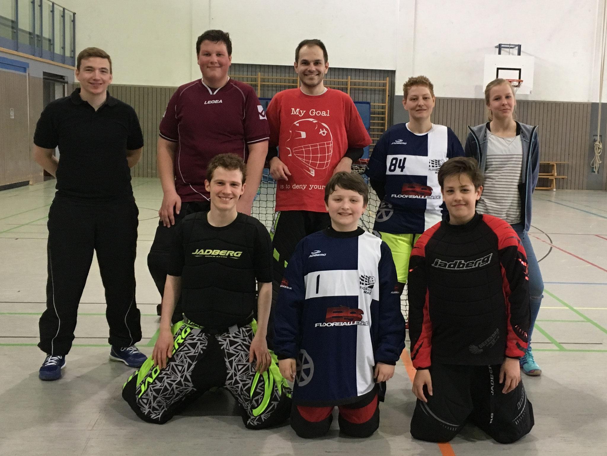 Hinten VLNR: Fabian Mieloch (Trainer), Tobias Braun (U17), Sebastian Zender (Herren), Anja Burkhadrt (Damen), Juliane Schwinck (Co-Trainer); Vorne VLNR: Carl Bürkel (FBC Heidelberg), Vincen Jahn (U13), Till Standtke (U13)