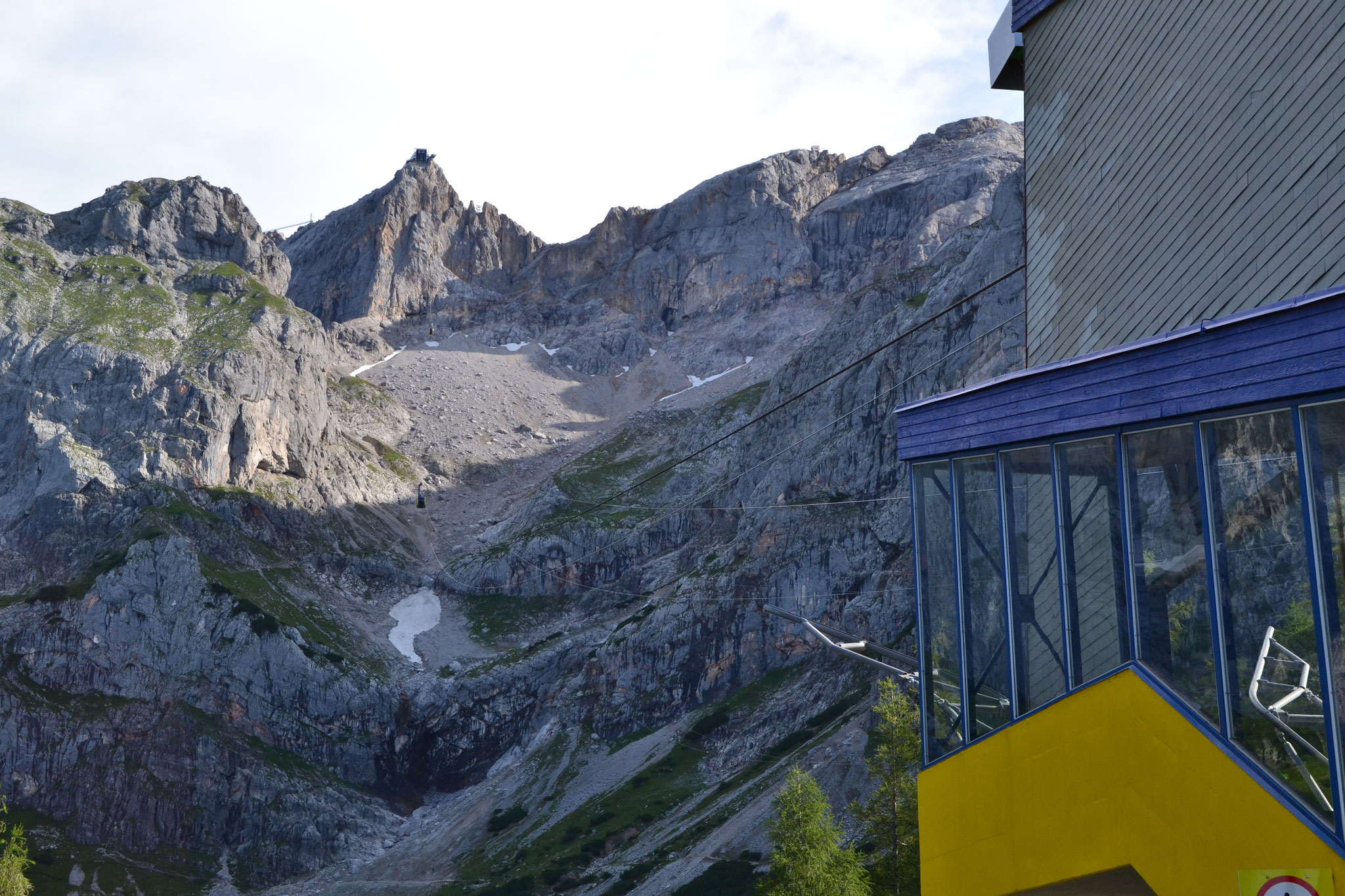 The Dachstein cablecar and top station at 2700m