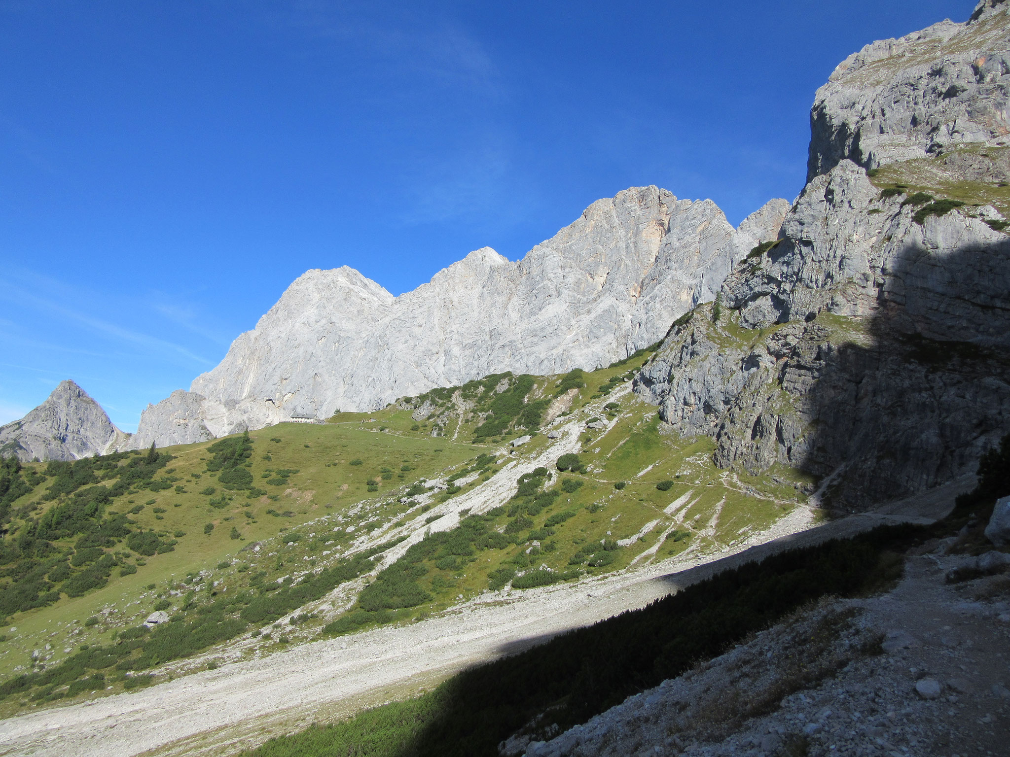 The three peaks: Torstein, Mitterspitz and Hoher Dachstein