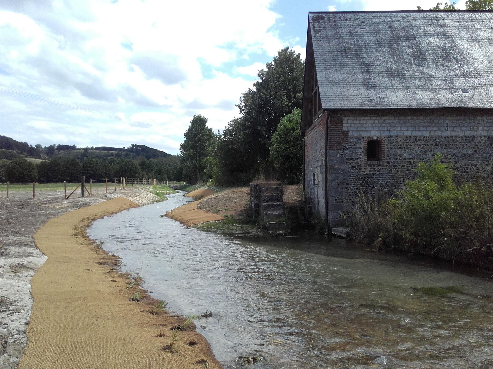 Vue des travaux depuis l'aval du Moulin