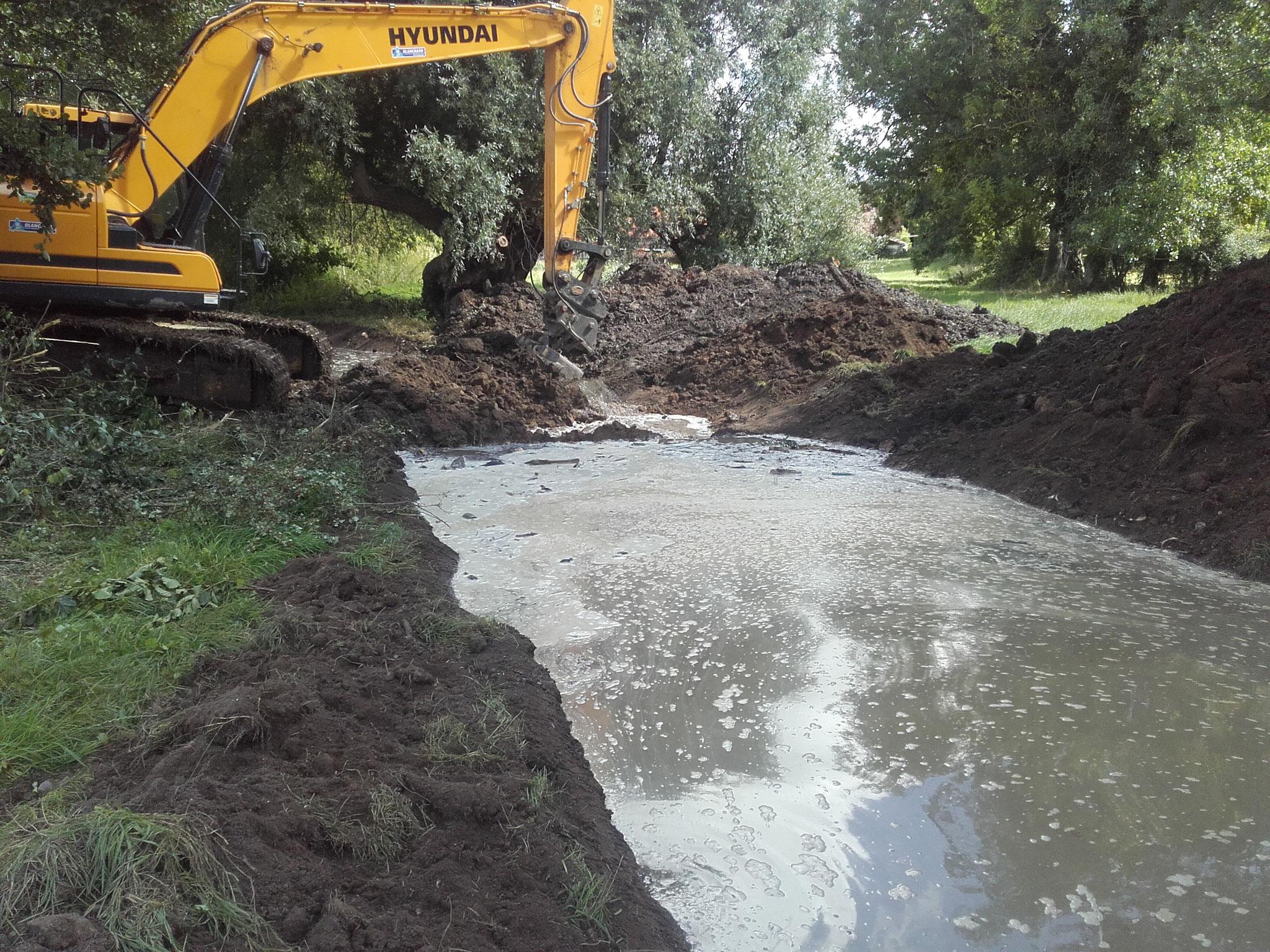 Mise en eau du fossé provisoire