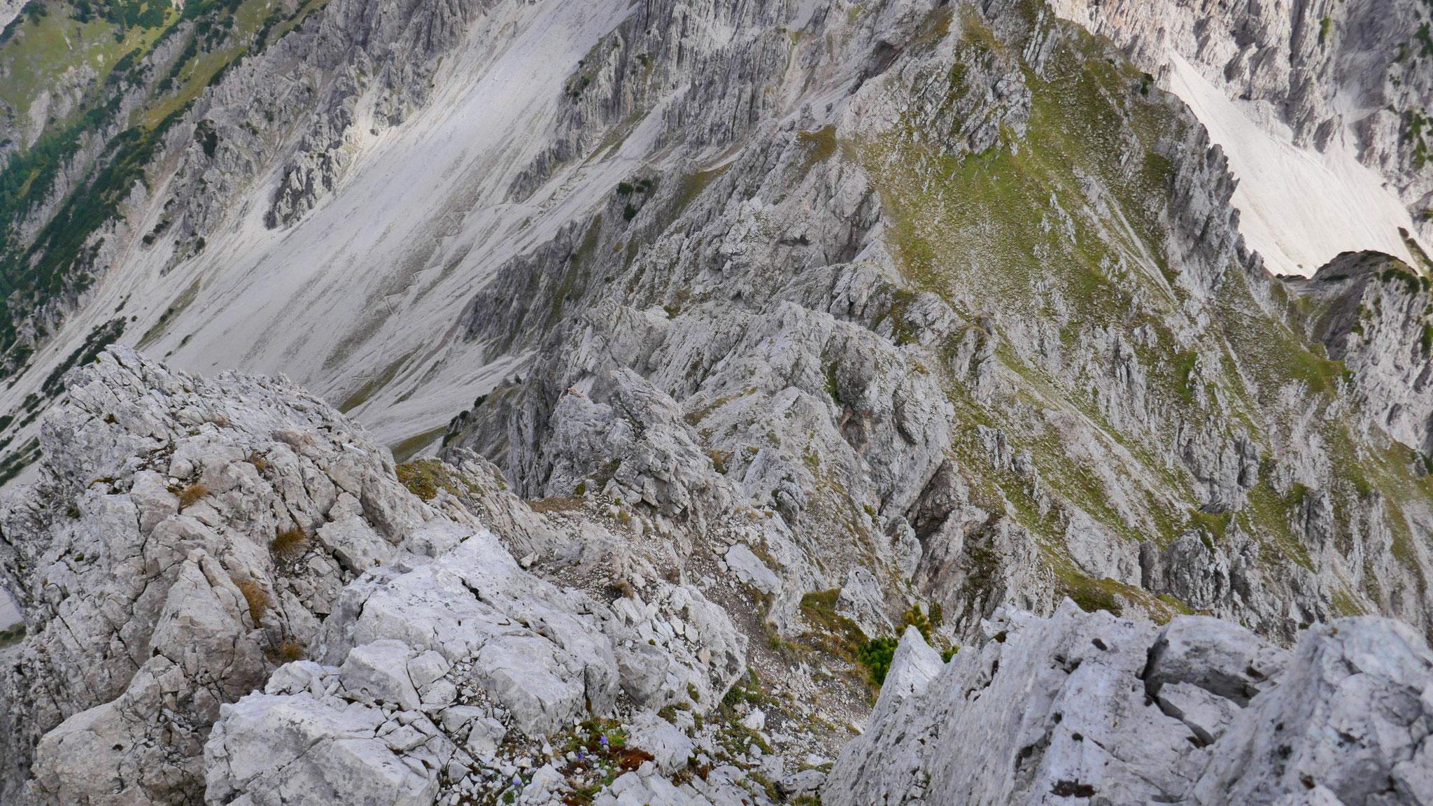 Einstieg zum lohnenswerten Ostgrat hinüber zur Erlspitze