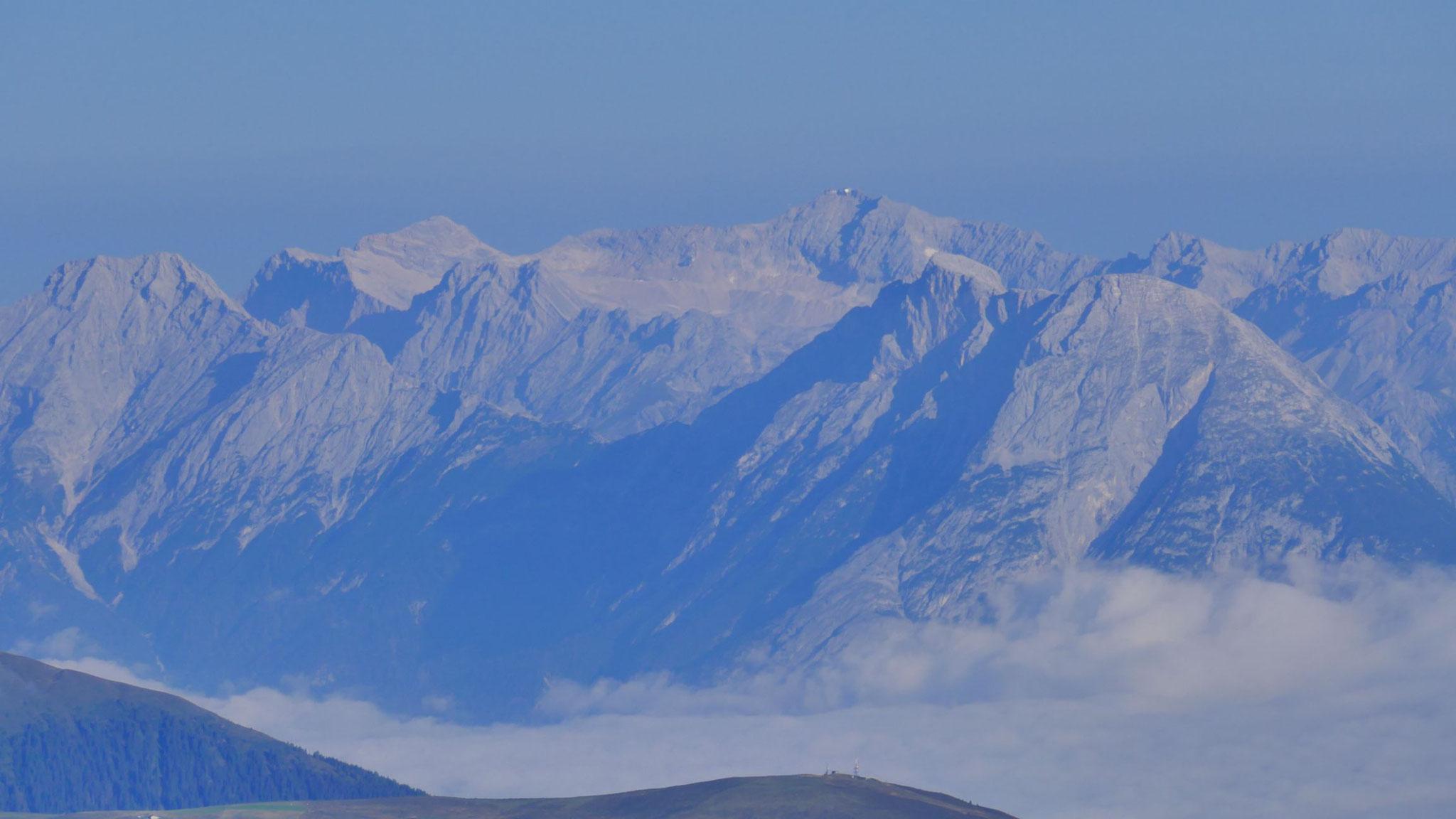 Mieminger Berge & Wetterstein mit Zugspitze