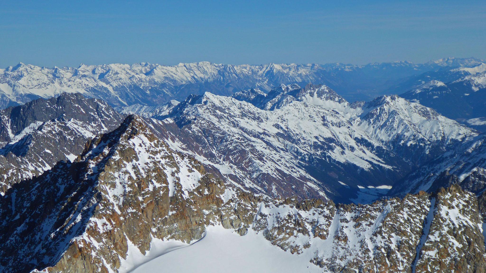 Über Schrandele, Villerspitzen, Schwarzhorn und Kalkkögel ins Karwendel