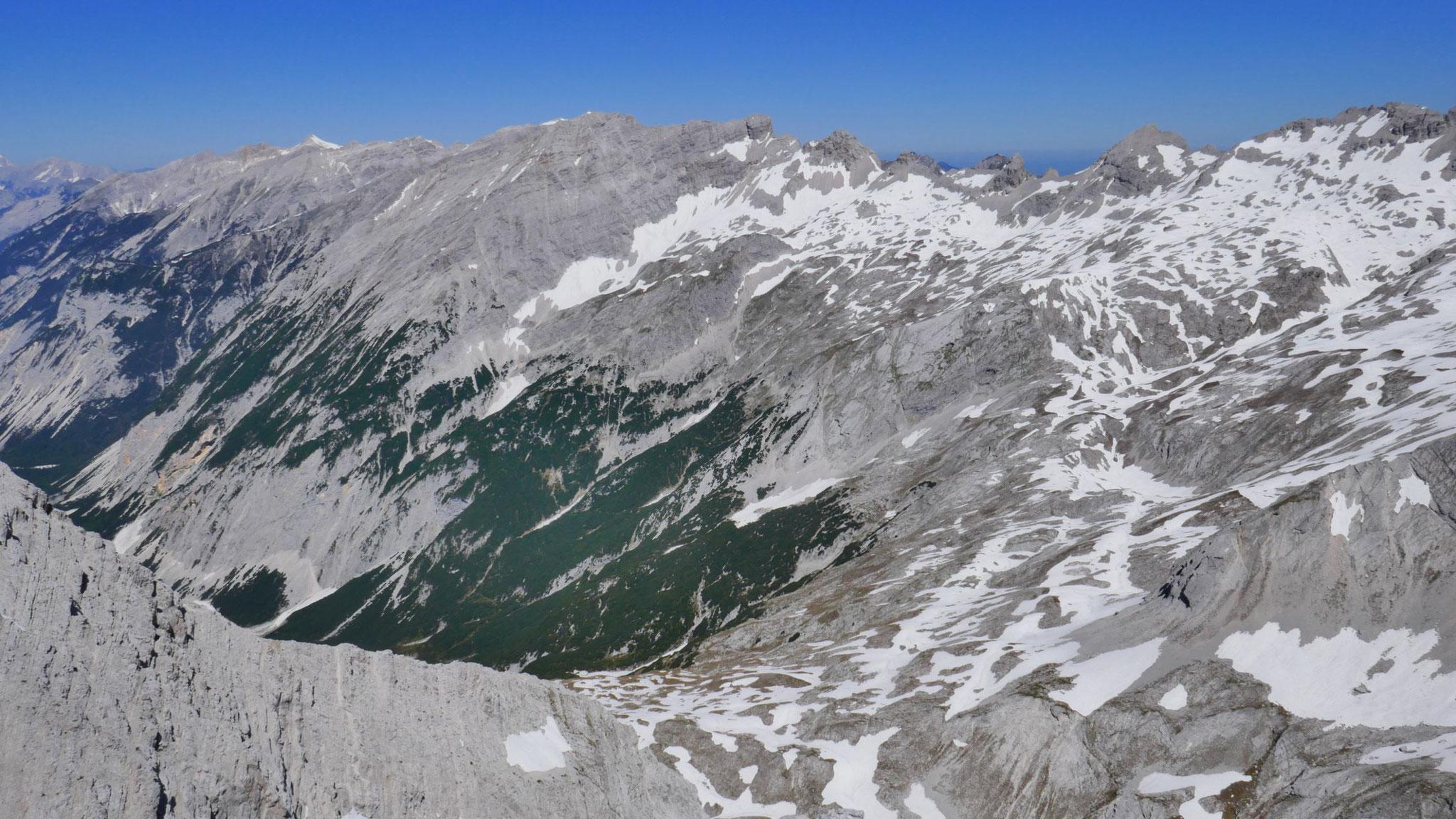 Karwendelhauptkamm und nördliche Rossloch-Umrahmung