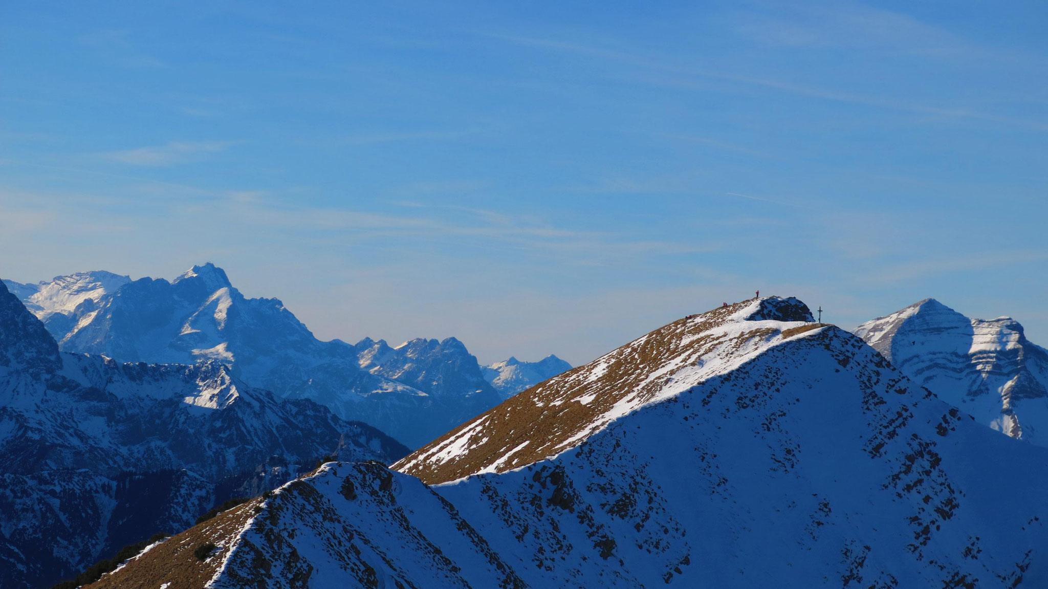 Links Zugspitze, rechts Fleischbank