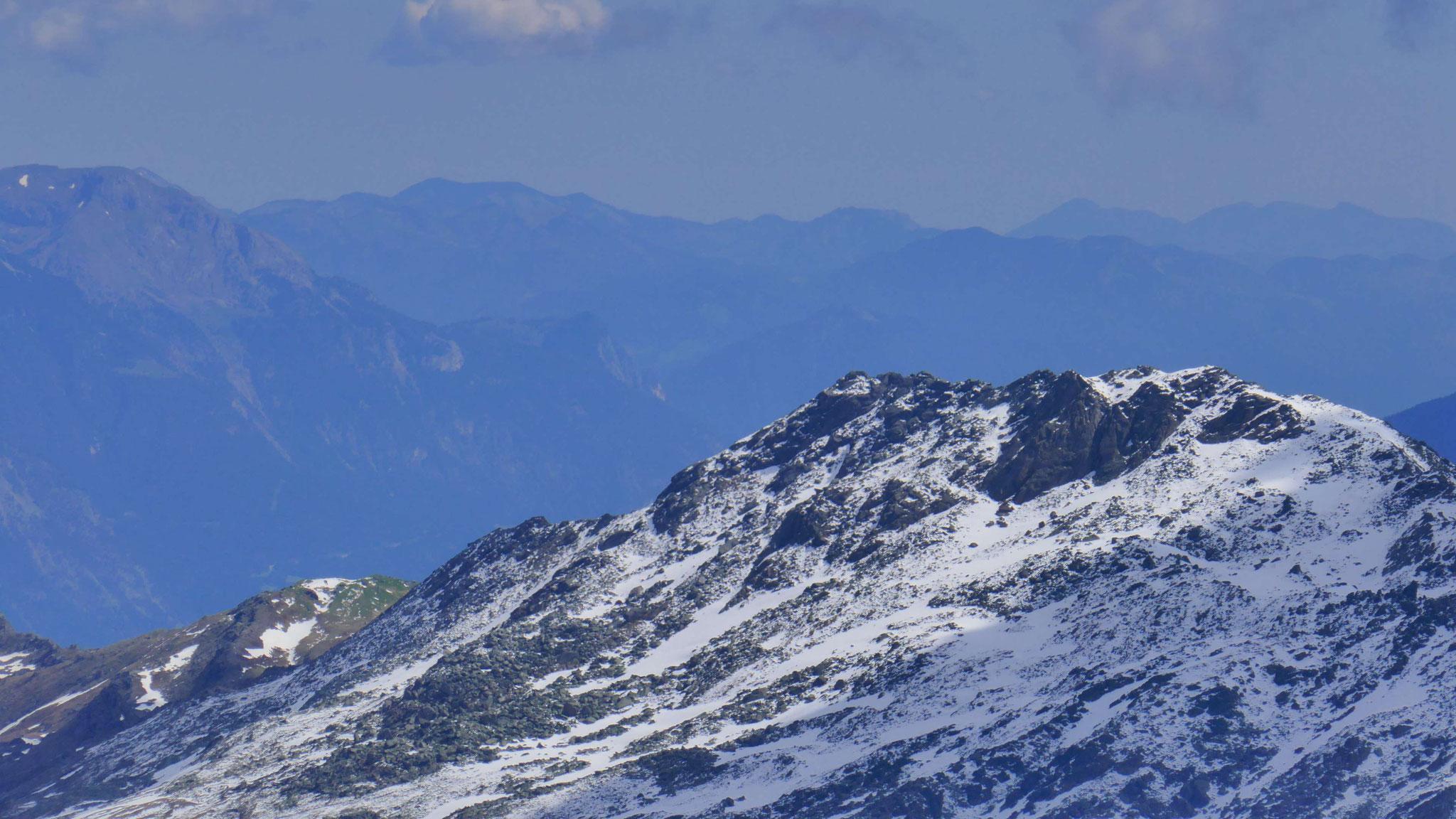 Haneburger, am Horizont Rofan und Brandenberger Alpen