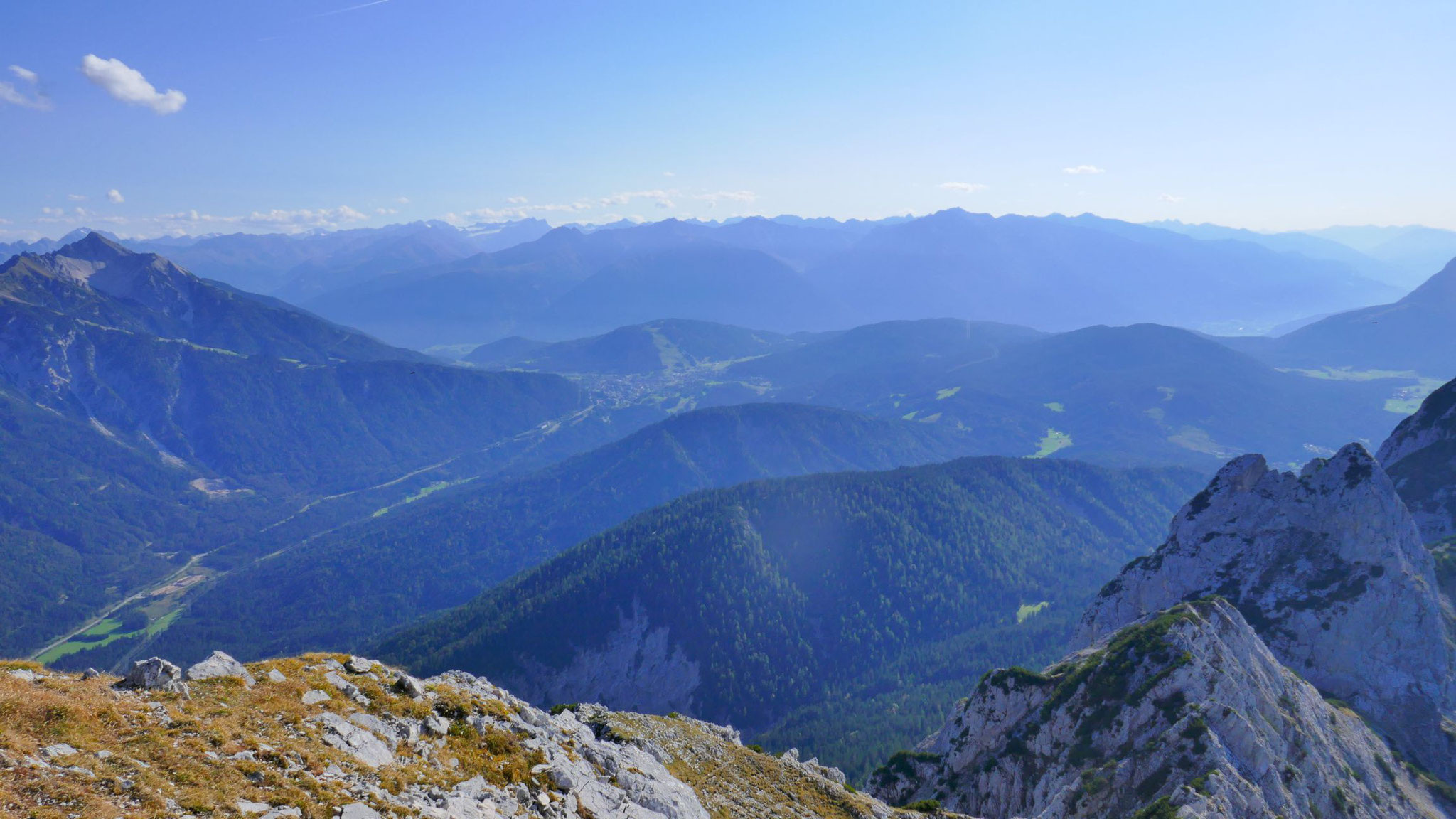 Seefelder Plateau, dahinter Stubaier Alpen